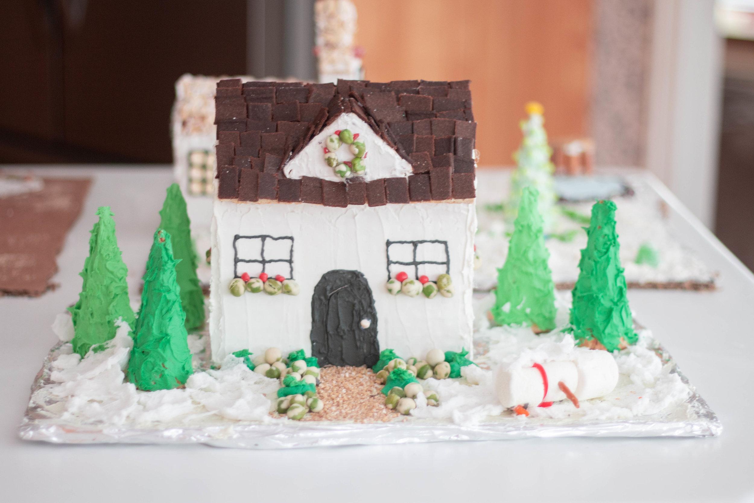 Gingerbread Houses-12.jpg