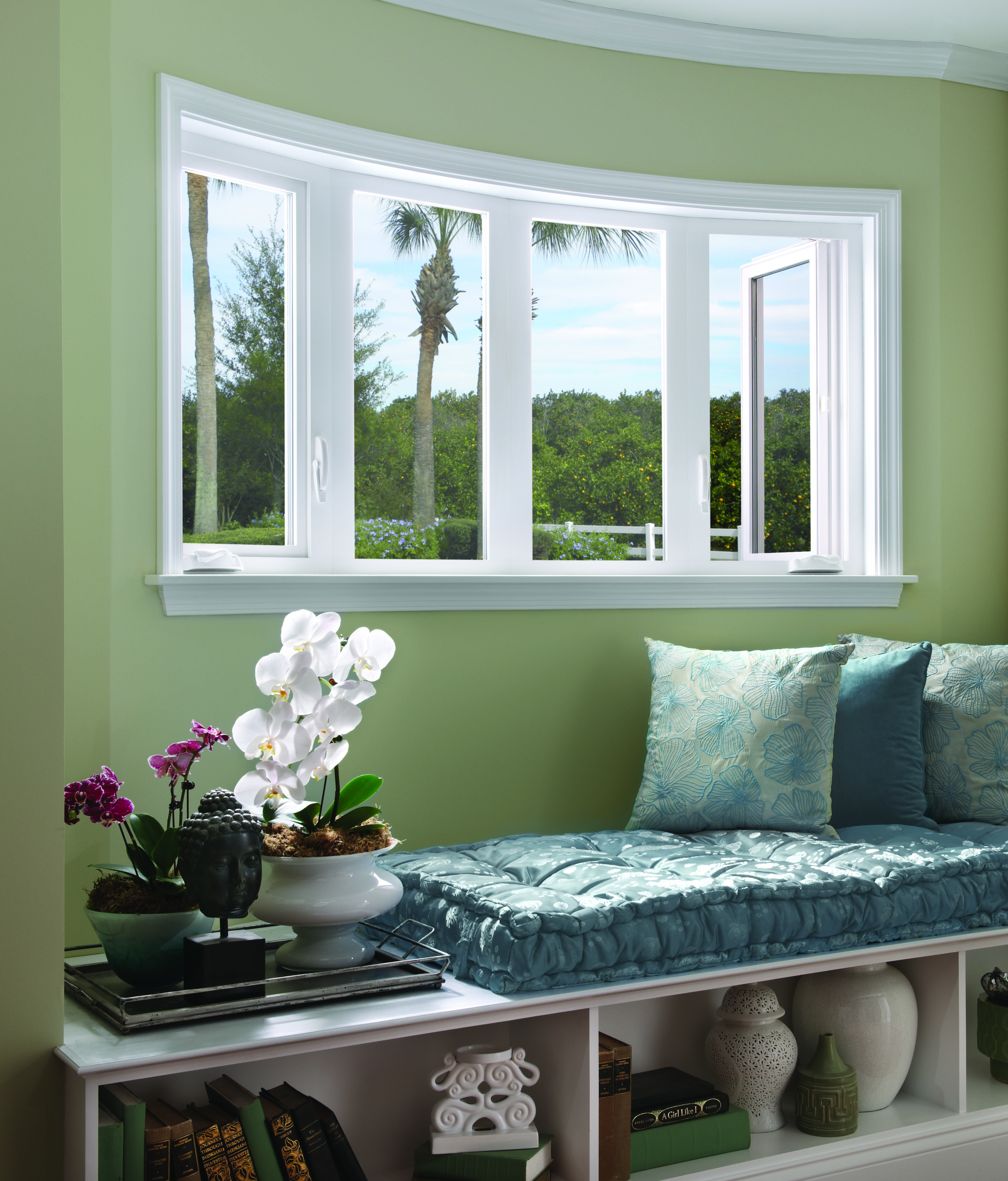 700 Casement Bow Windows Beauty Shot.jpg