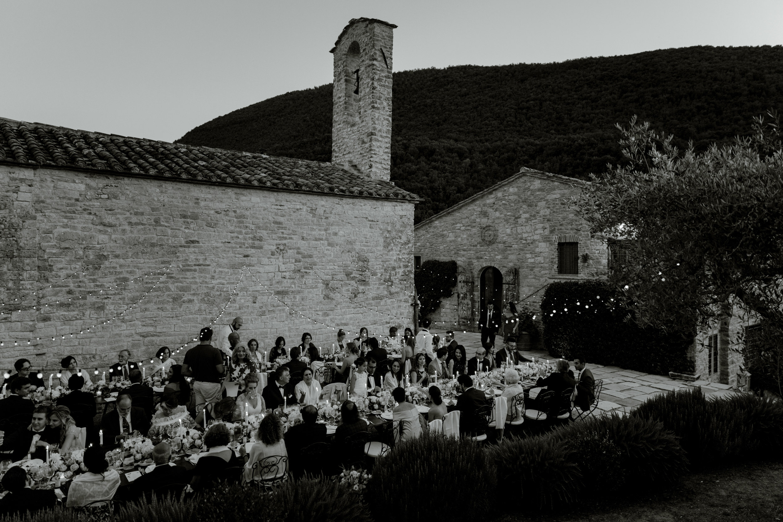 04_wedding-reception-umbria-chiesa-del-carmine.jpg