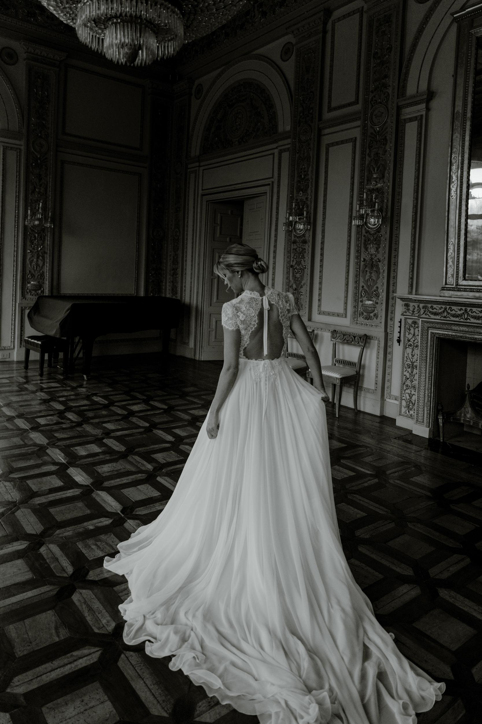 flowy-bridal-dress.jpg