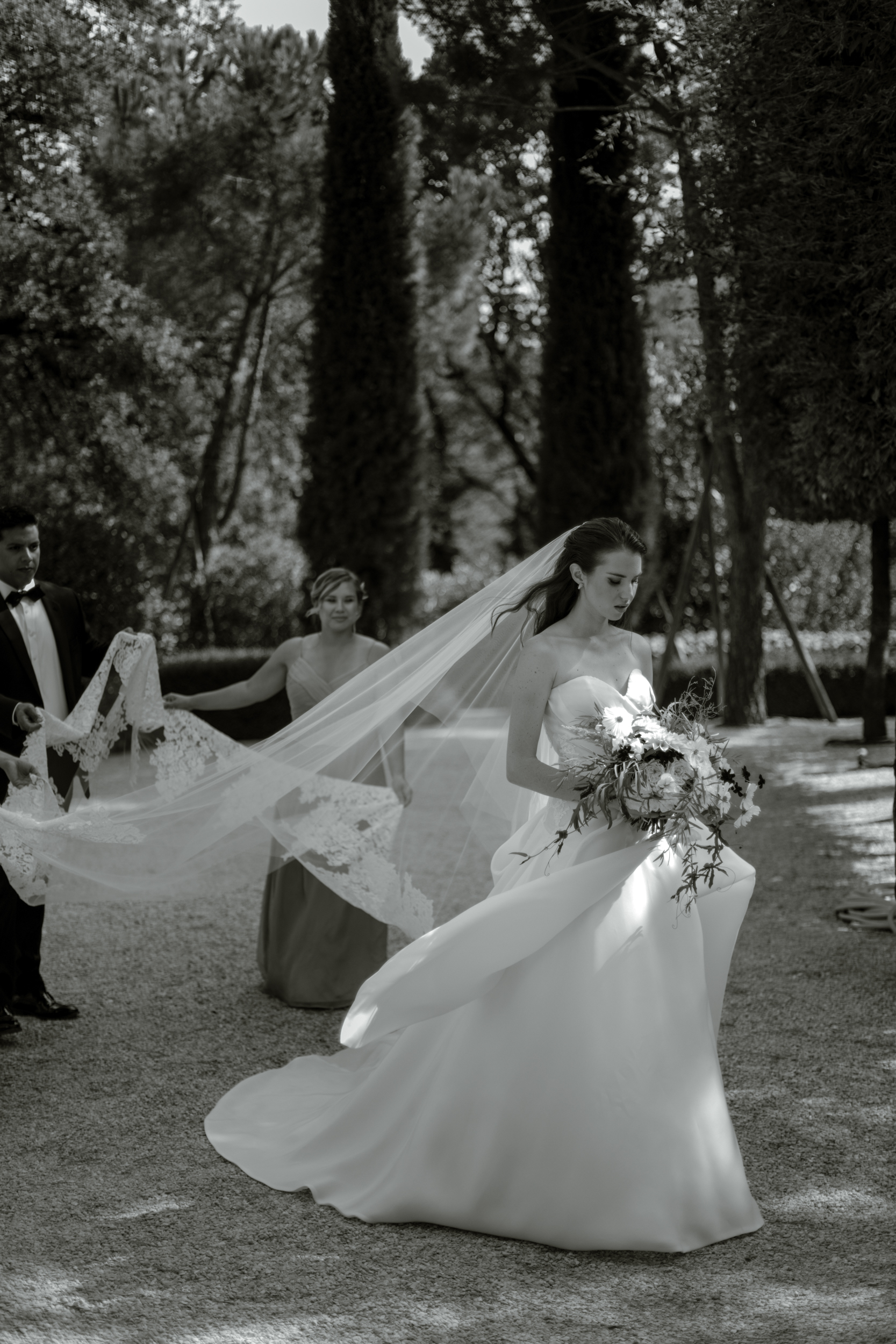 monique-lhuillier-bridal.jpg