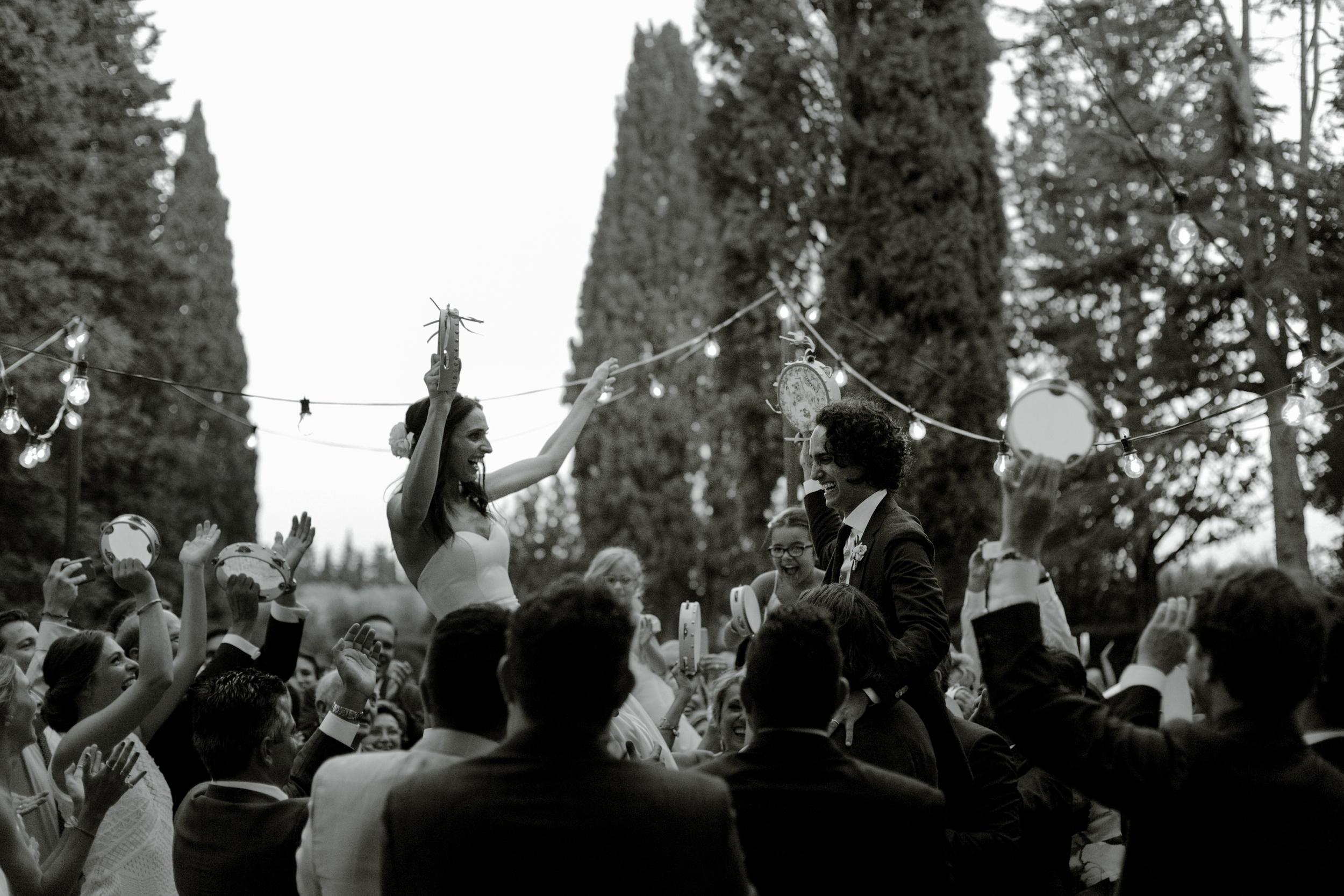 tambourine-wedding-italy.jpg