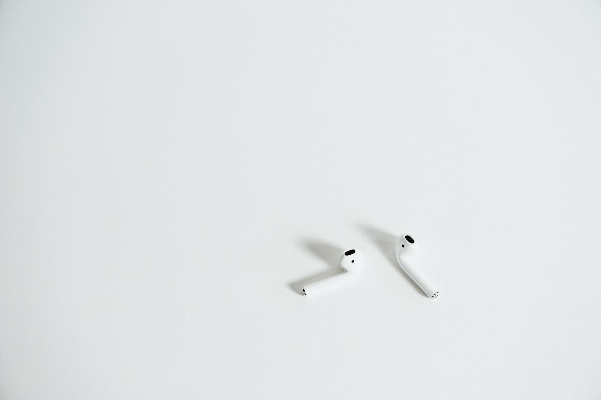 Apple-AirPods-10.jpg