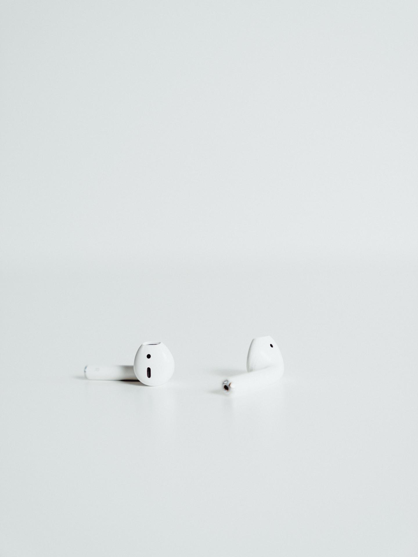 Apple-AirPods-12.jpg