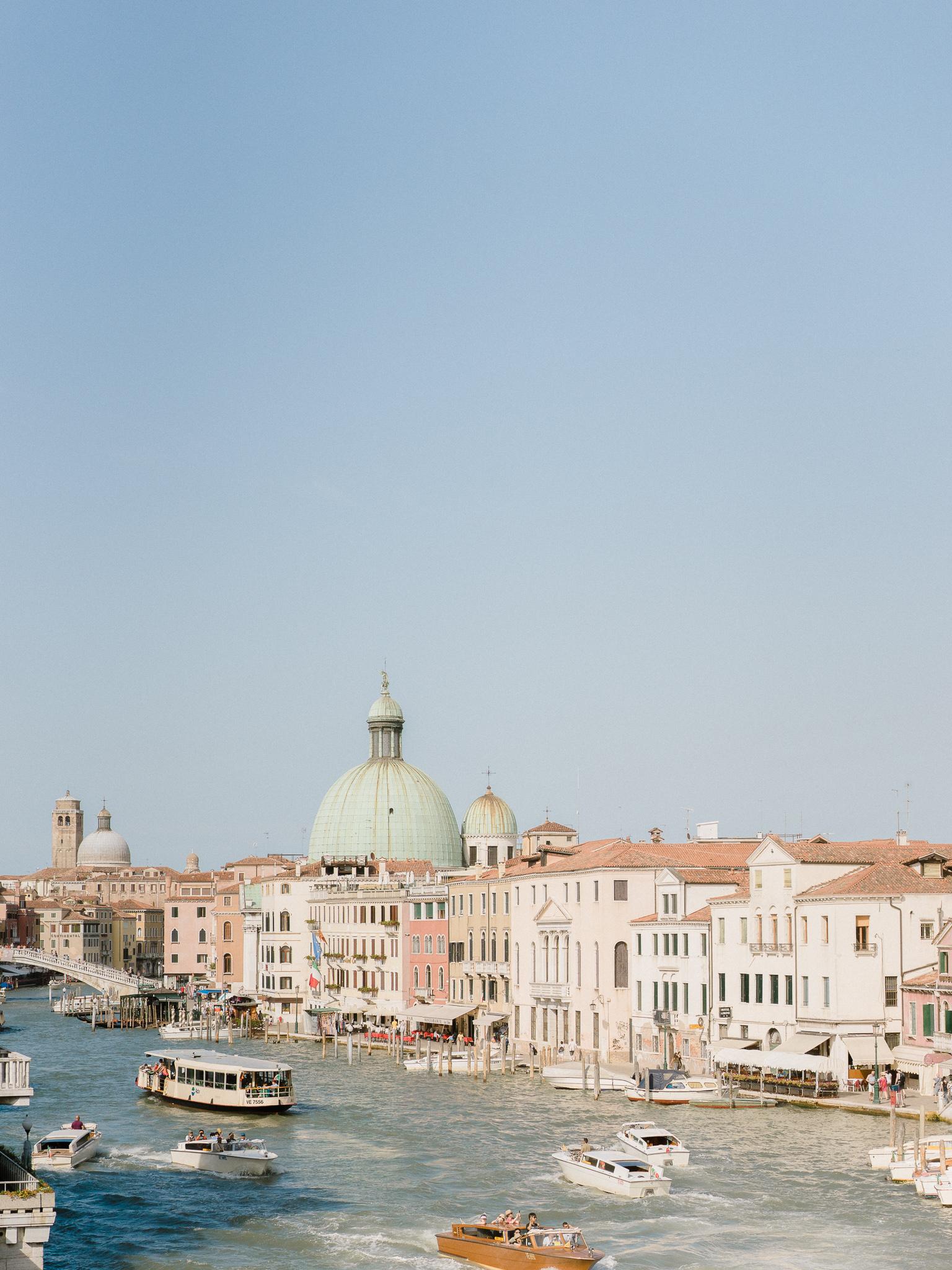 Venice-Burano-Italy-7.jpg