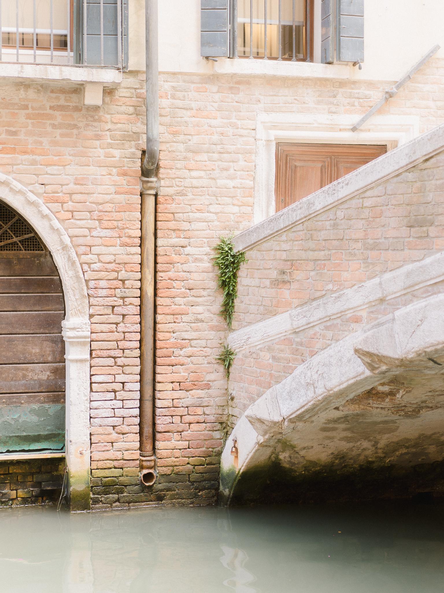 Venice-Burano-Italy-16.jpg