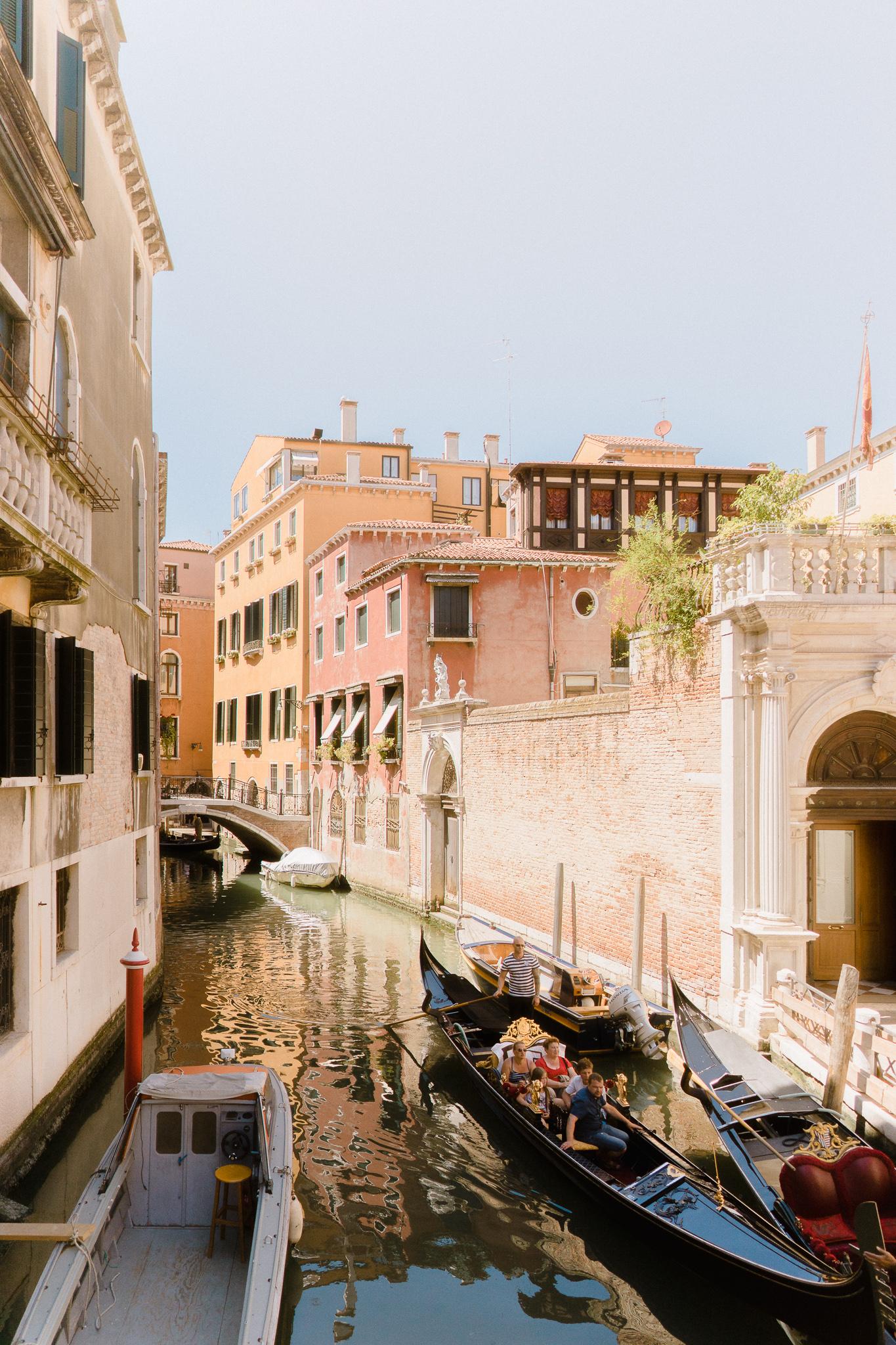 Venice-Burano-Italy-25.jpg