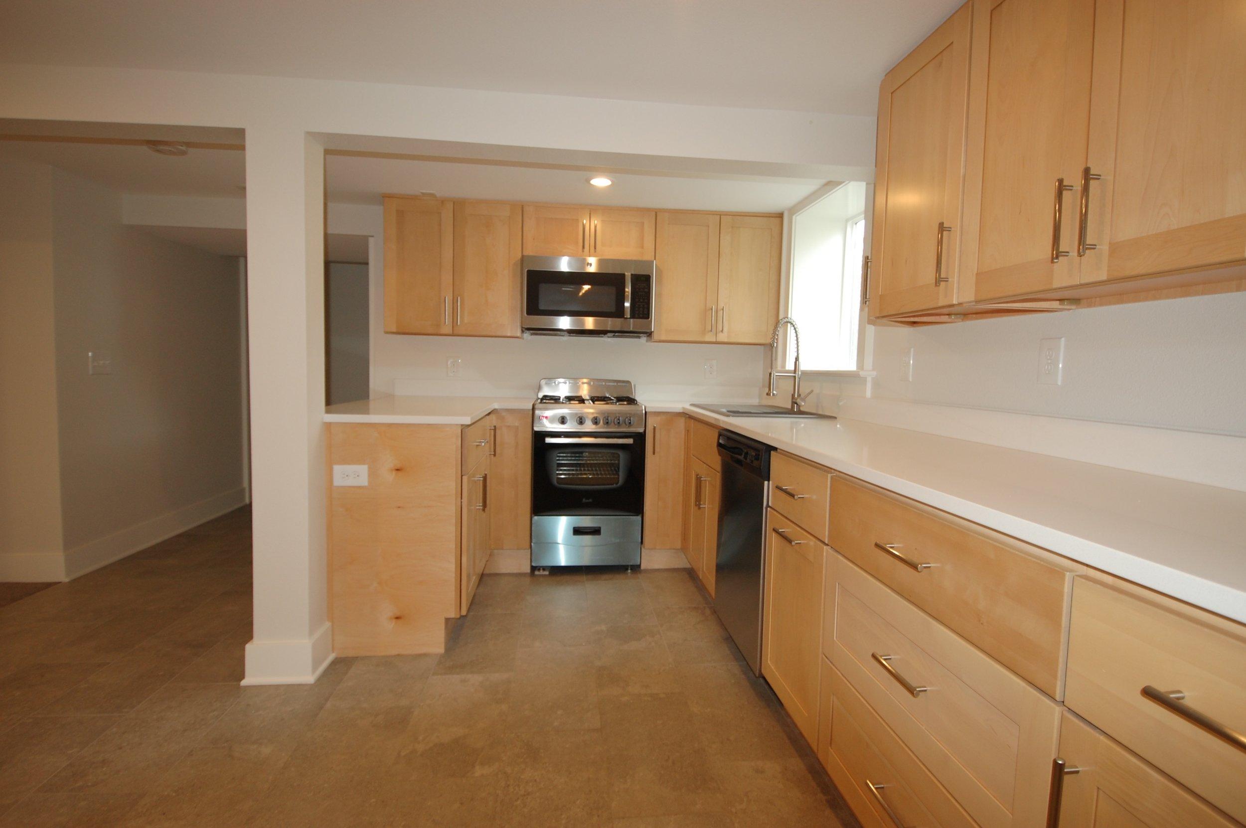 Smith_Hayes_Brothers_Construction_ADU_Basement_Kitchen_1b.jpg