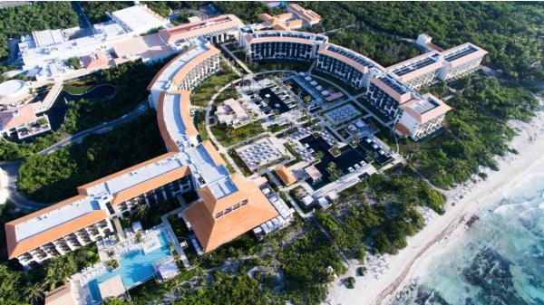 riviera maya designed in horseshoe shape easy access to everything