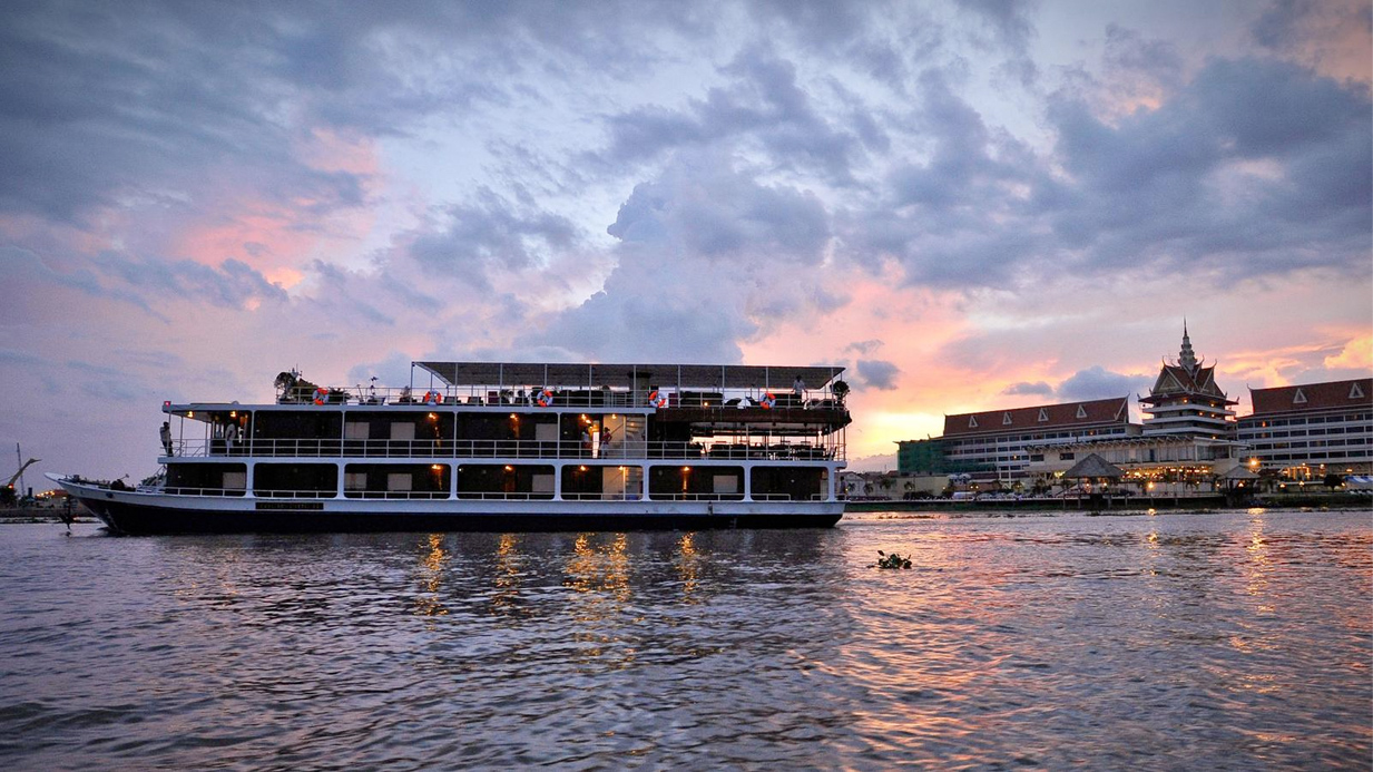 river cruises are one stop shopping for incentive programs