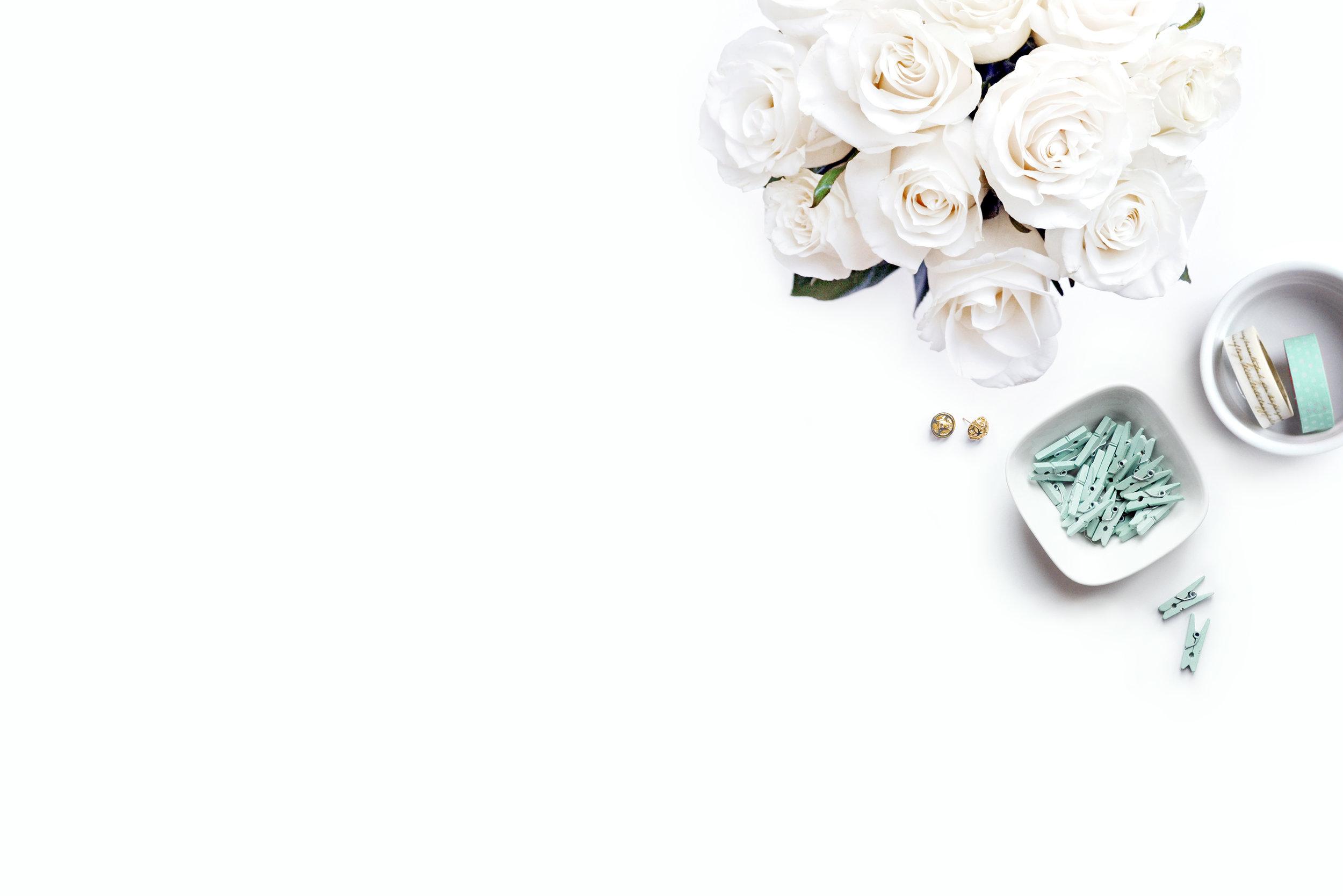 whiterosesbouquet2 (1).jpg