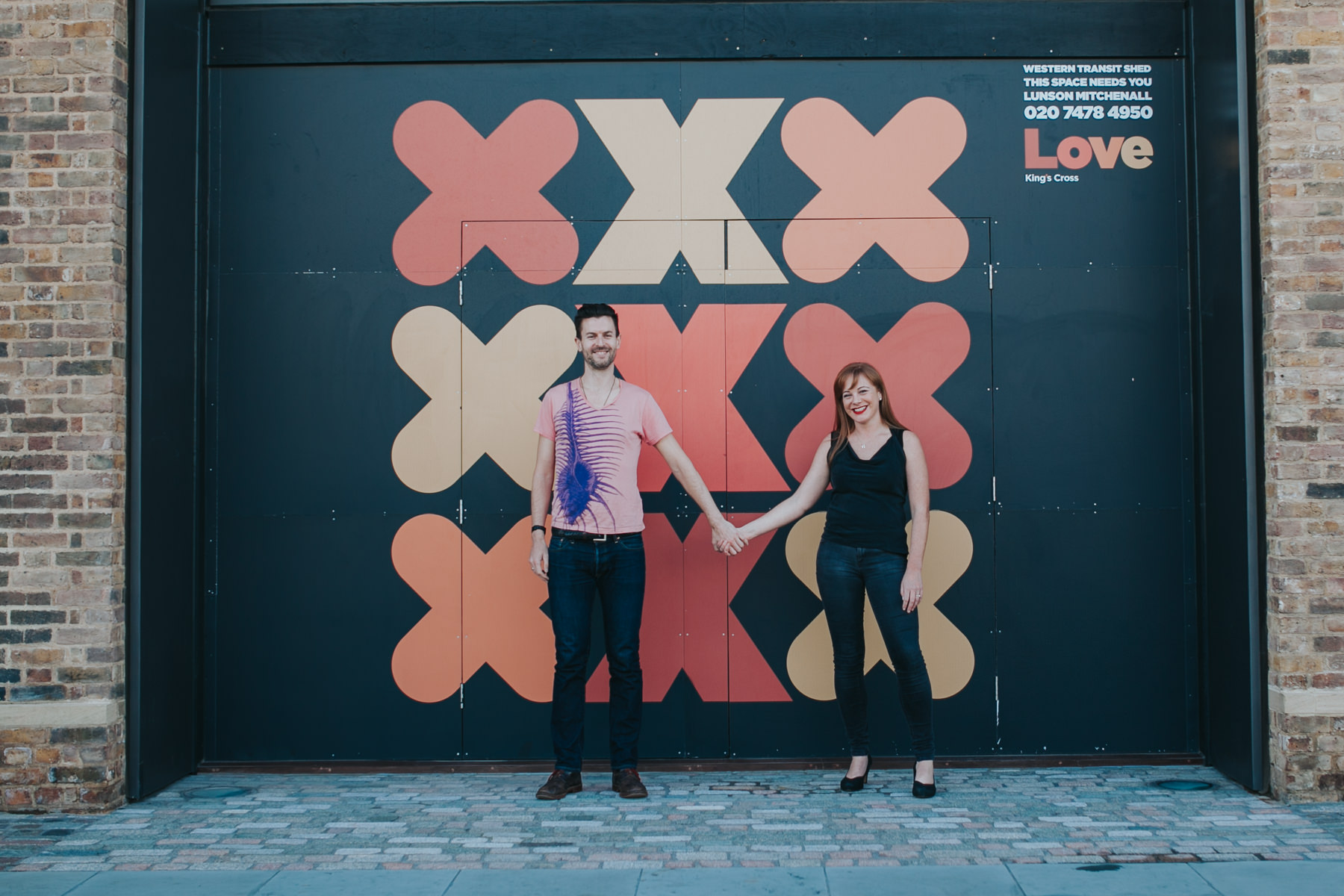Graphic-background-London-engagement-session-Kings-Cross