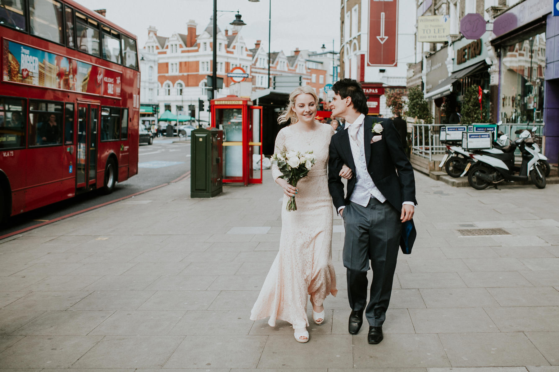 LD-380-newly-married-bride-groom-walking-London-street-photos.jpg