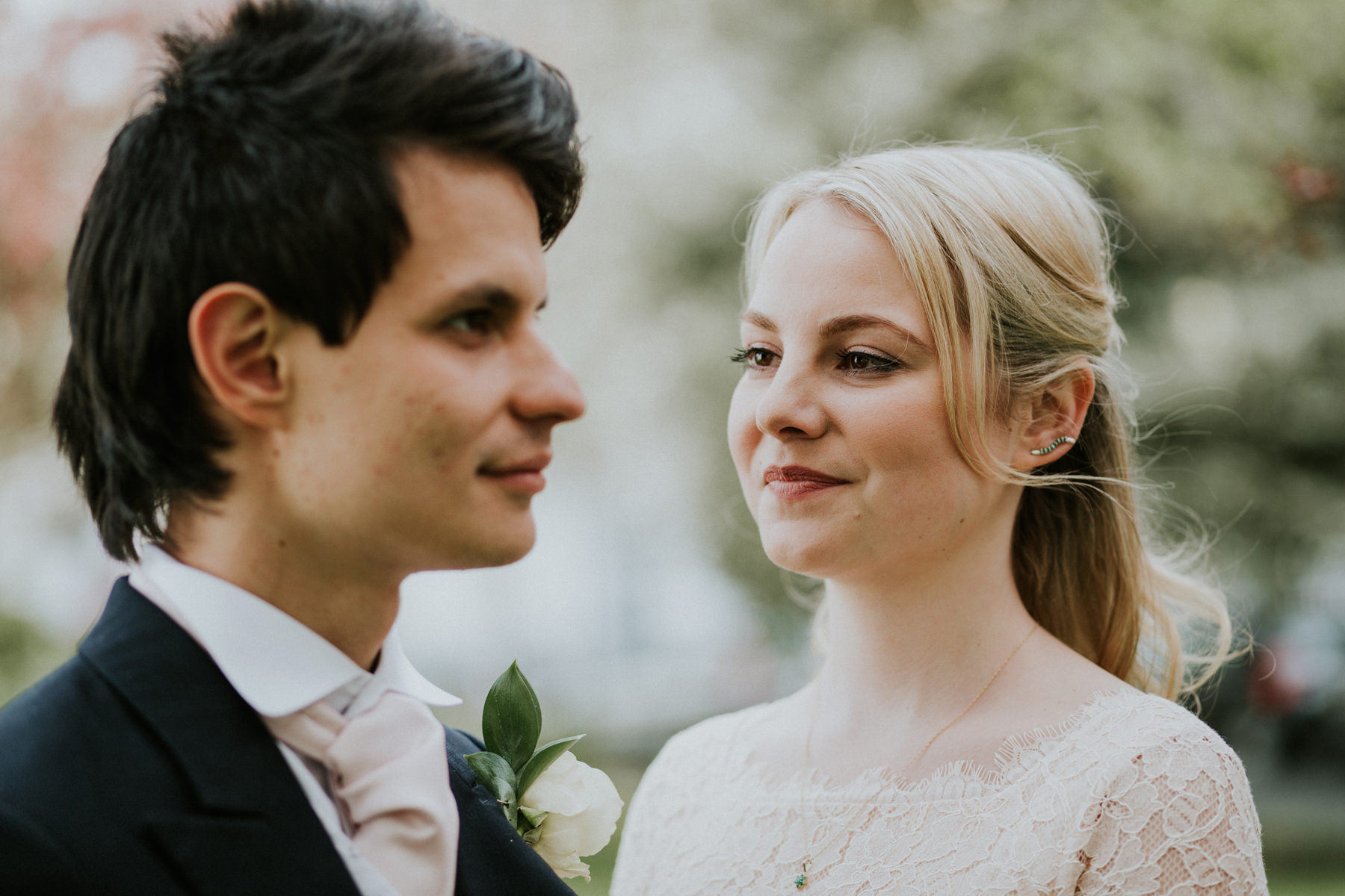 LD-447-bride-groom-couple-portraits-clapham-London-alternative-reportage-wedding-photographer.jpg