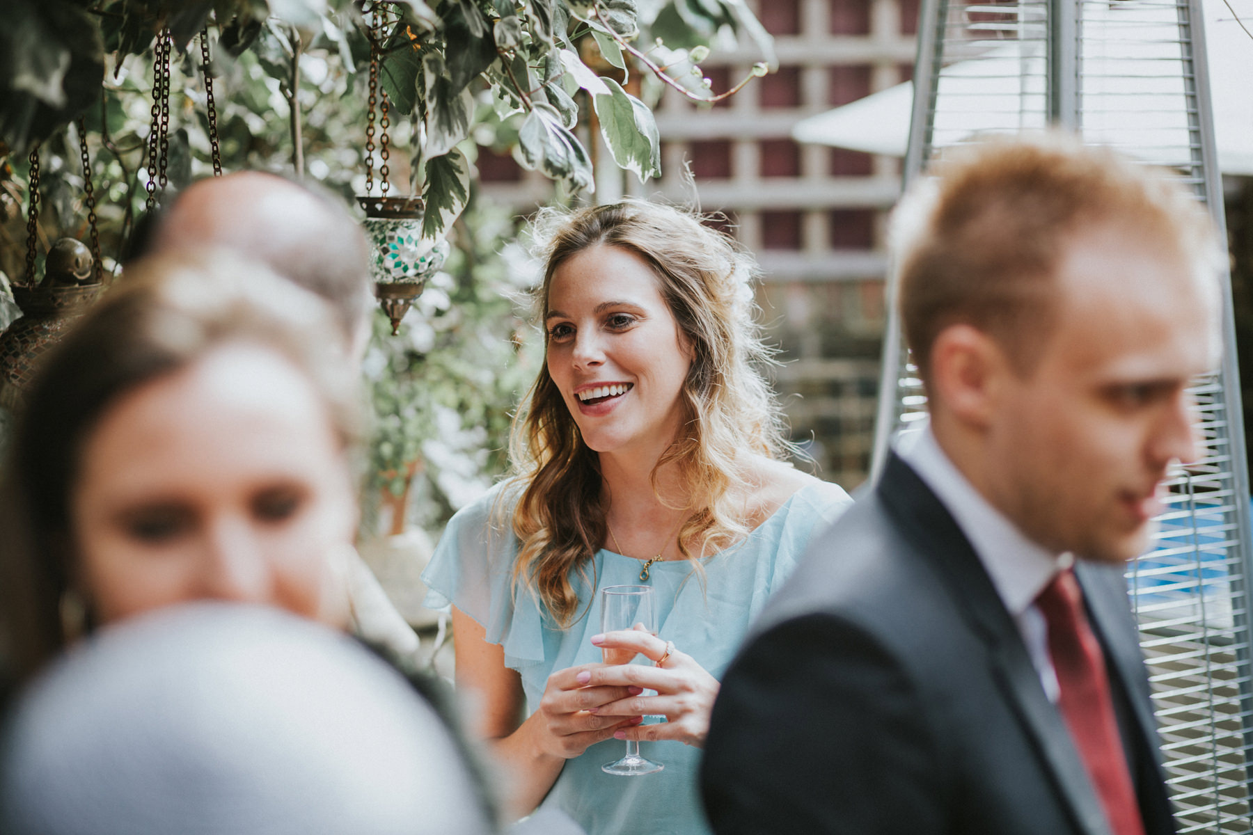 LD-530-Metro-Clapham-Wedding-guest-candid-unposed-photos.jpg