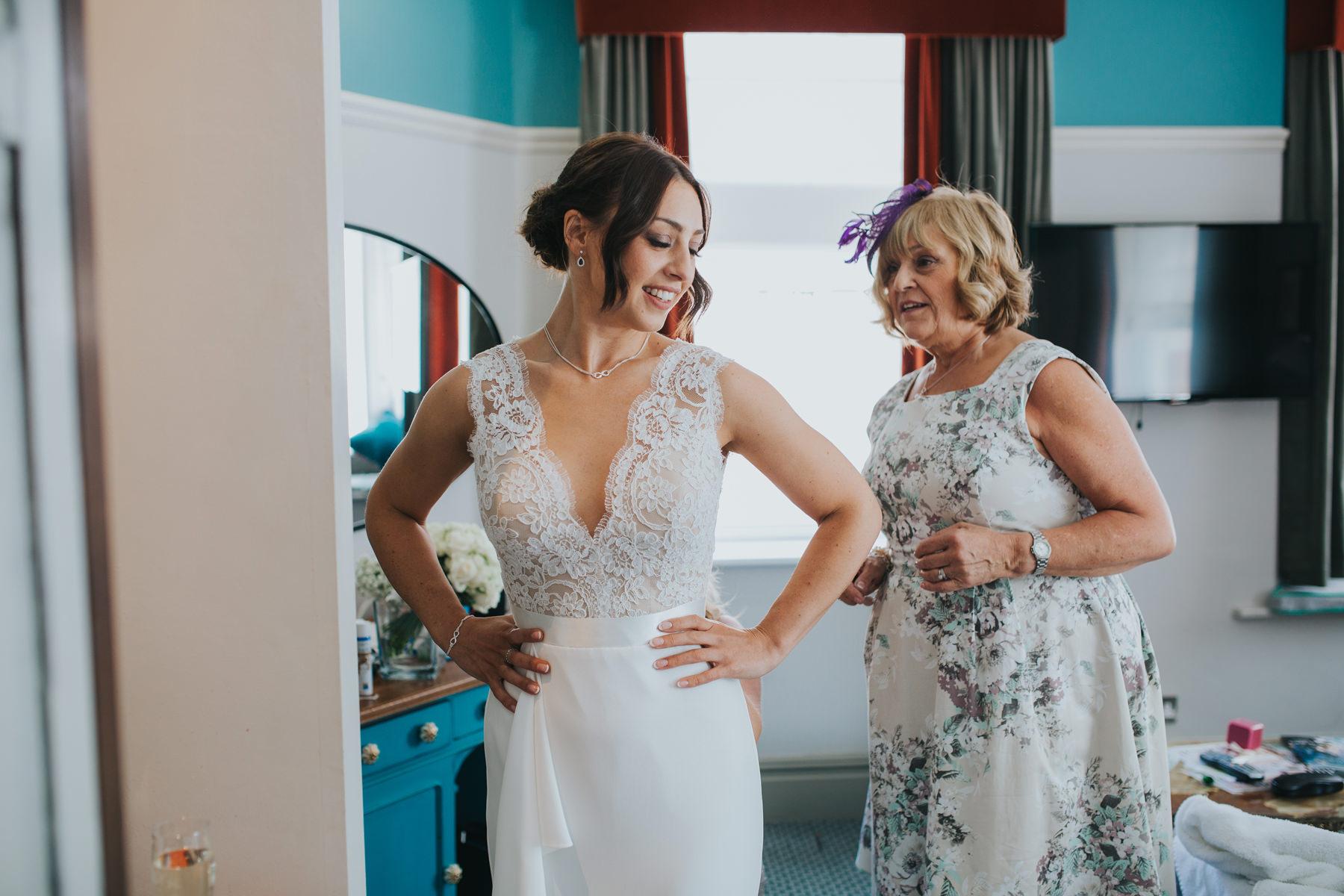 Richmond Wedding Photographer-bride-mum-bridal-preparations-CRL-41.jpg