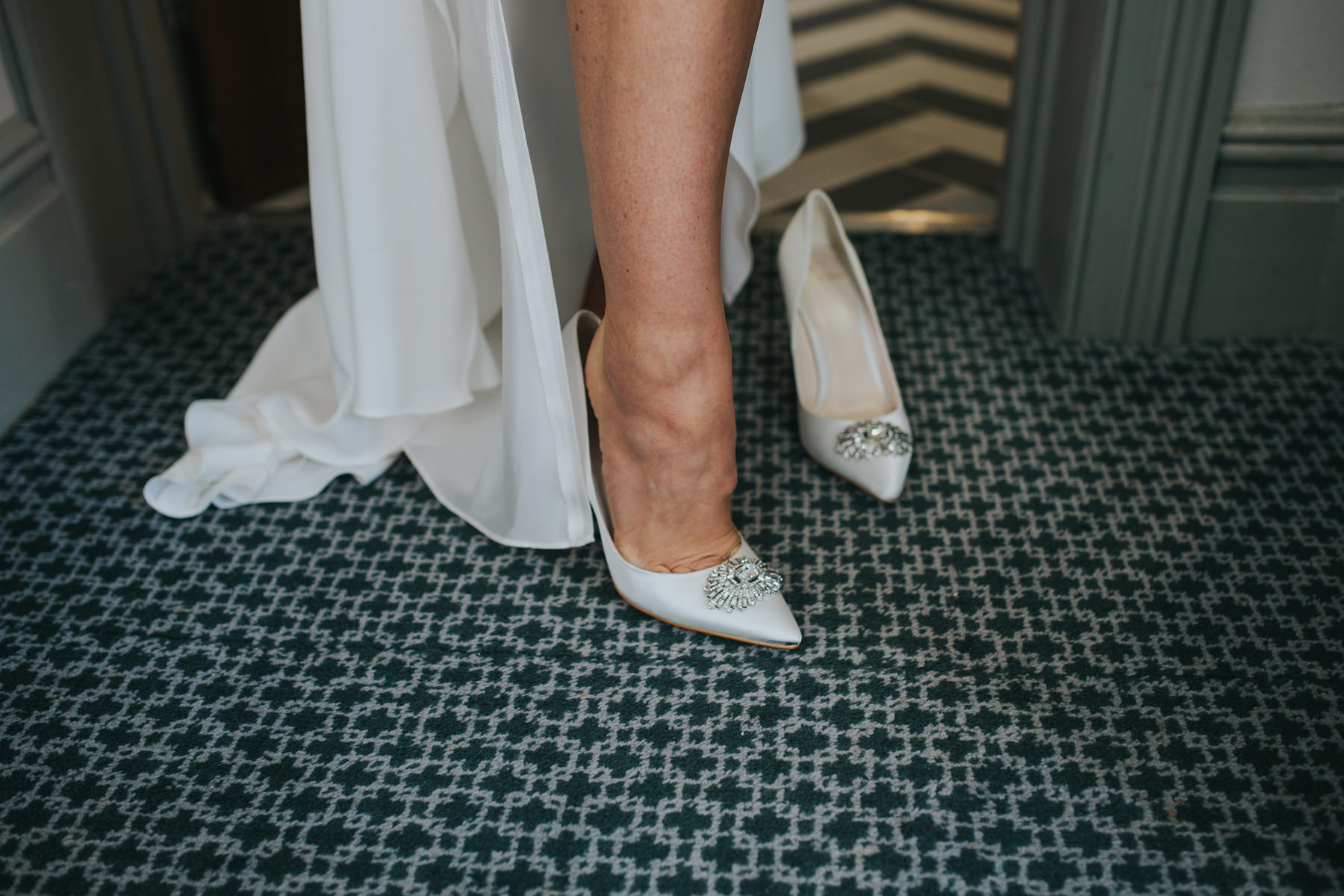 Richmond Wedding Photographer-bride-mum-bridal-preparations-CRL-45.jpg