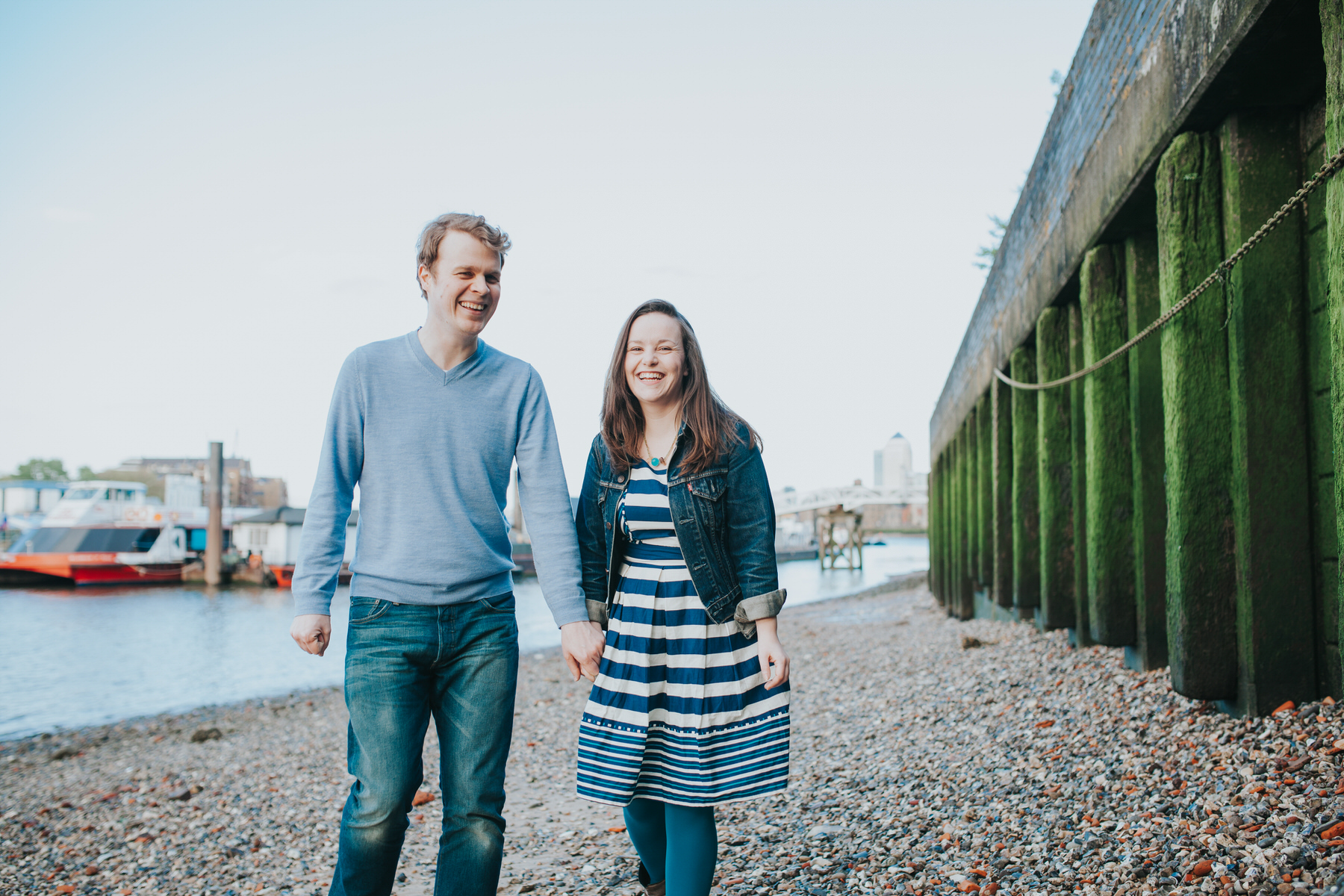 2-Quirky-engagement-London-couple-rotherhithe-beach.jpg