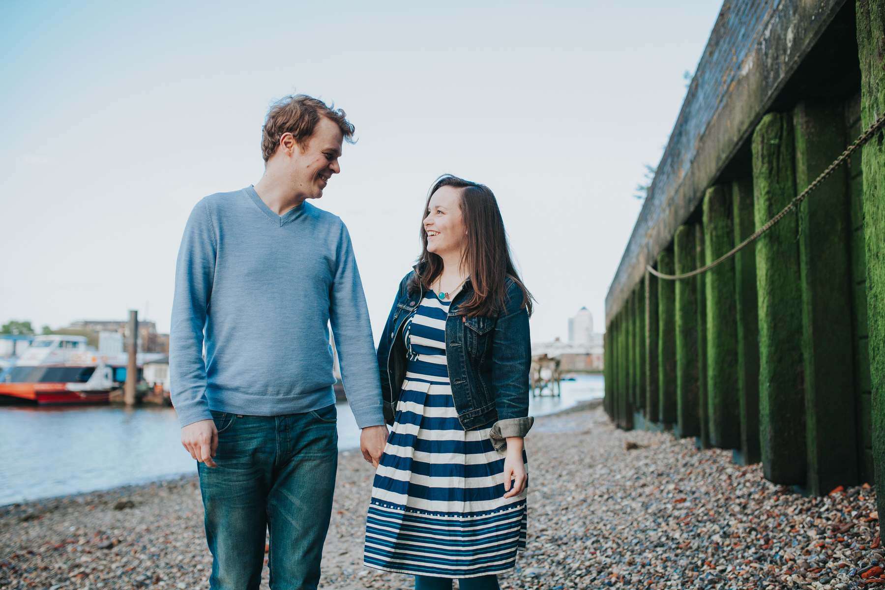 3-Quirky-engagement-London-sweet-couple.jpg