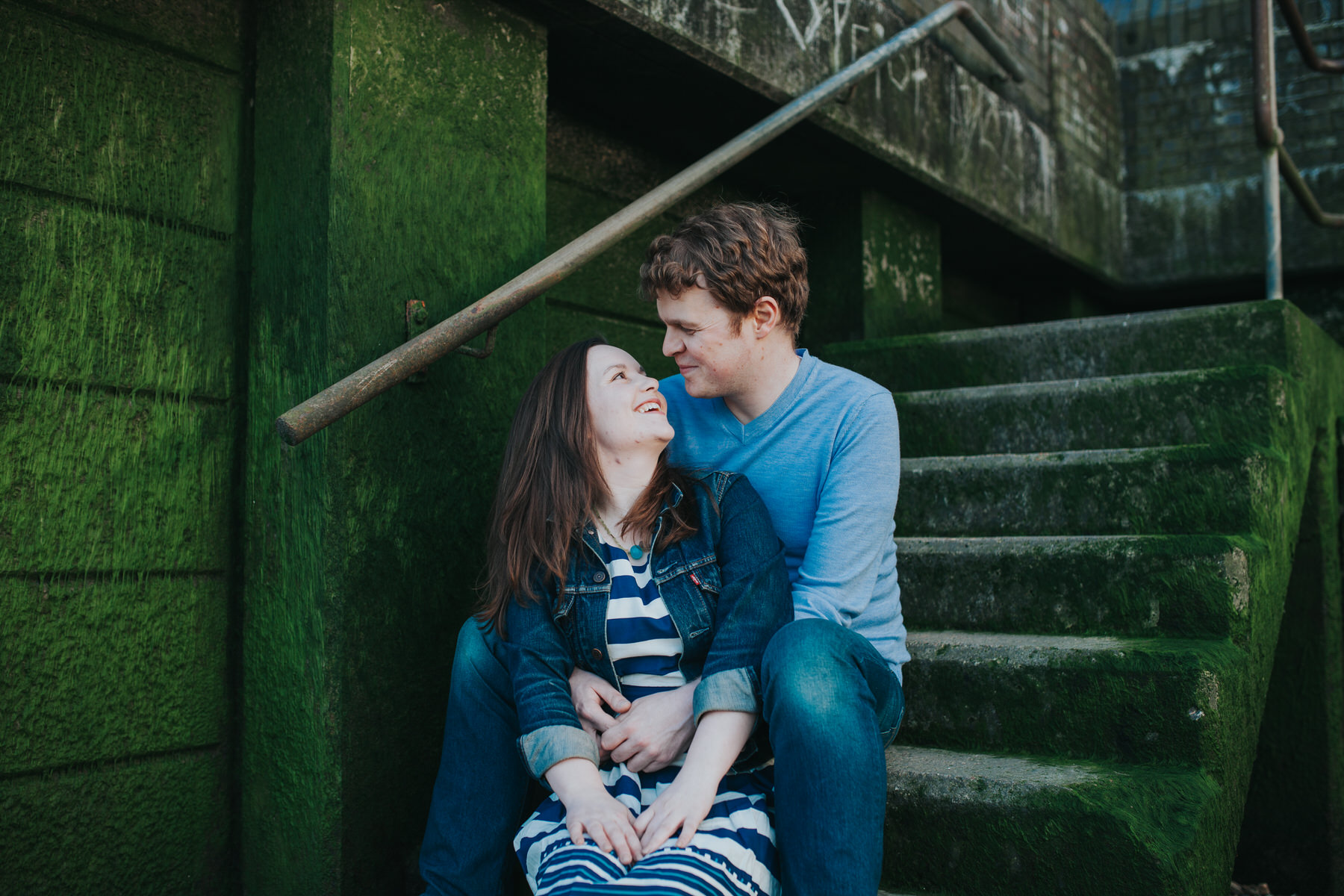 39-Quirky-engagement-London-thames-steps-moss.jpg