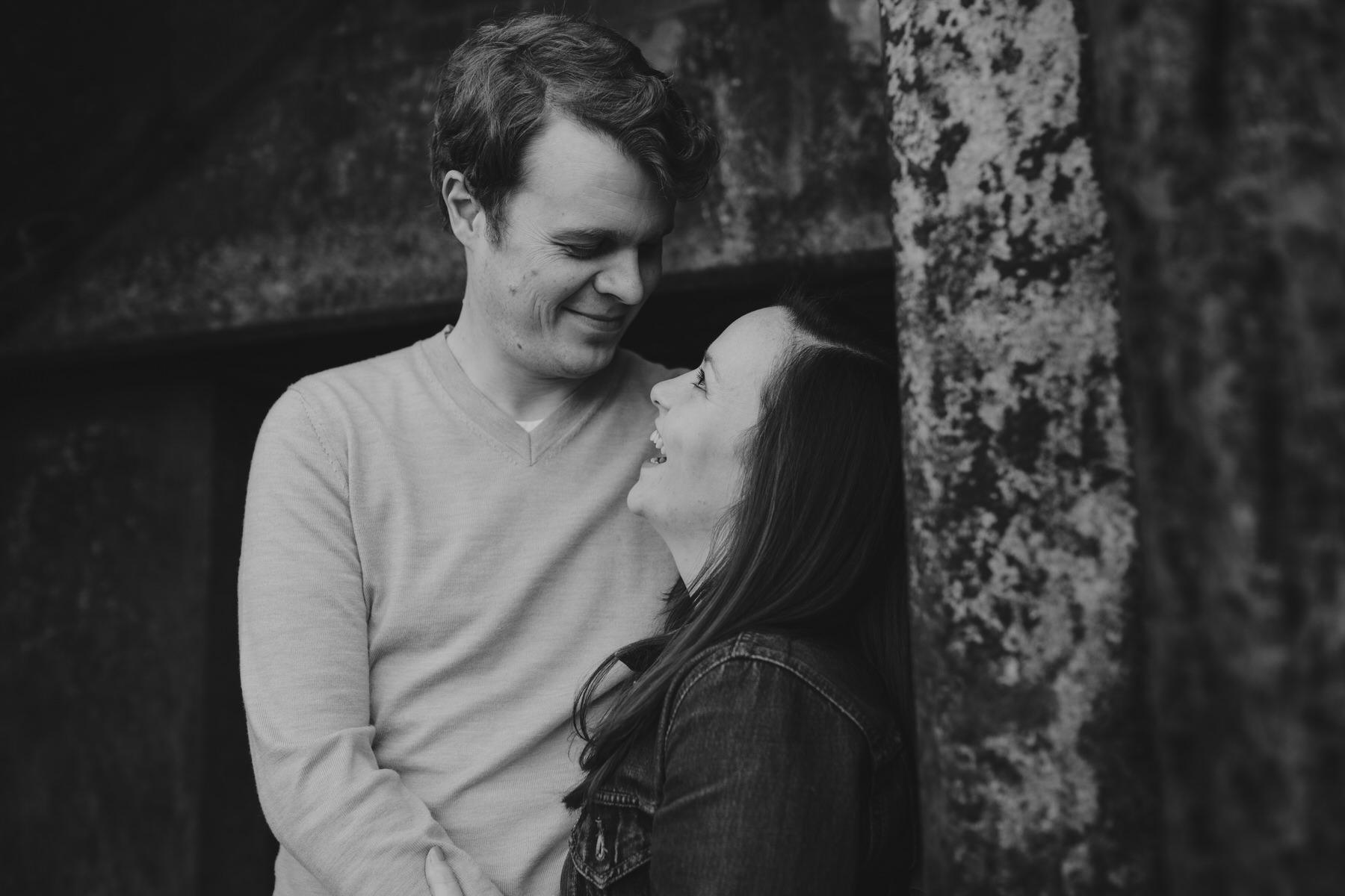 49-Quirky-engagement-London-BW-romantic-pose-idea.jpg