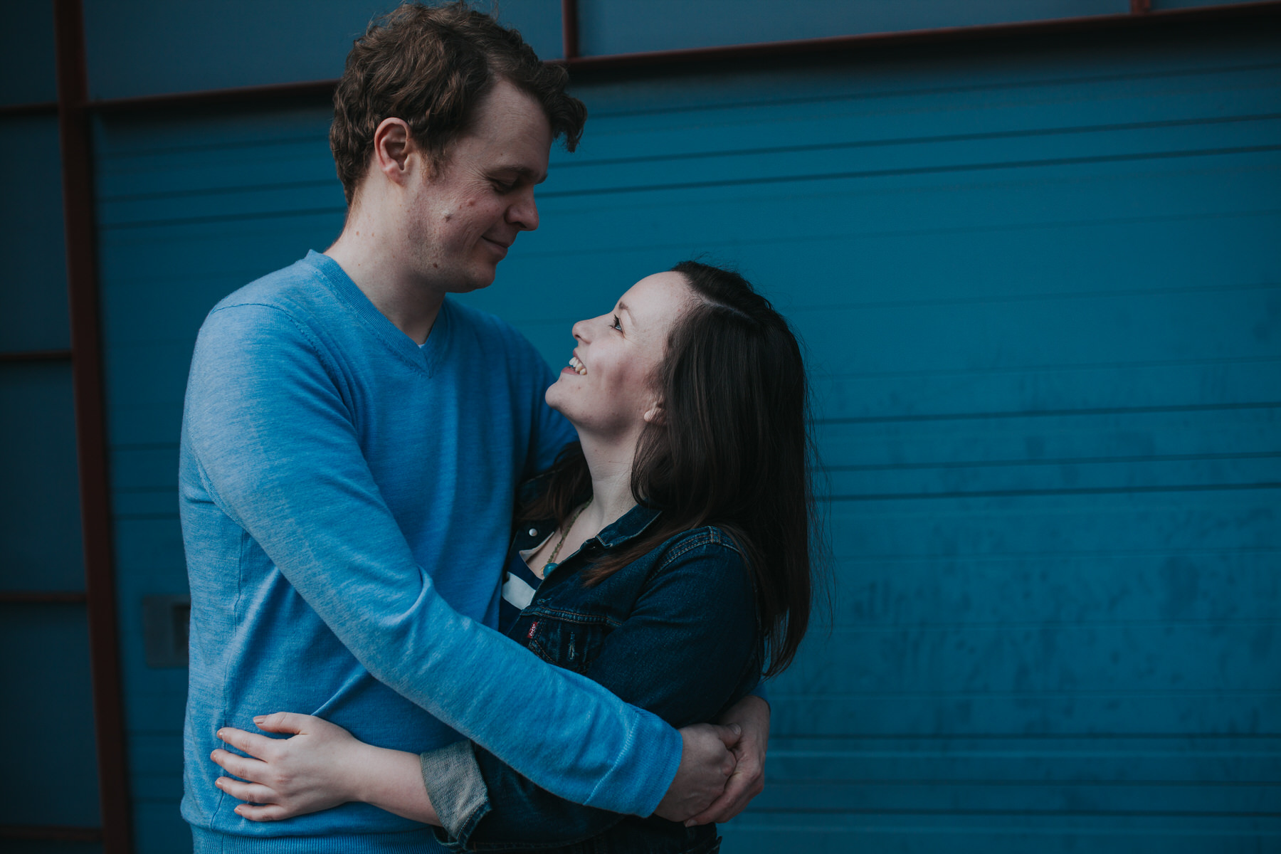 77-Quirky-engagement-London-couple-loved-up.jpg