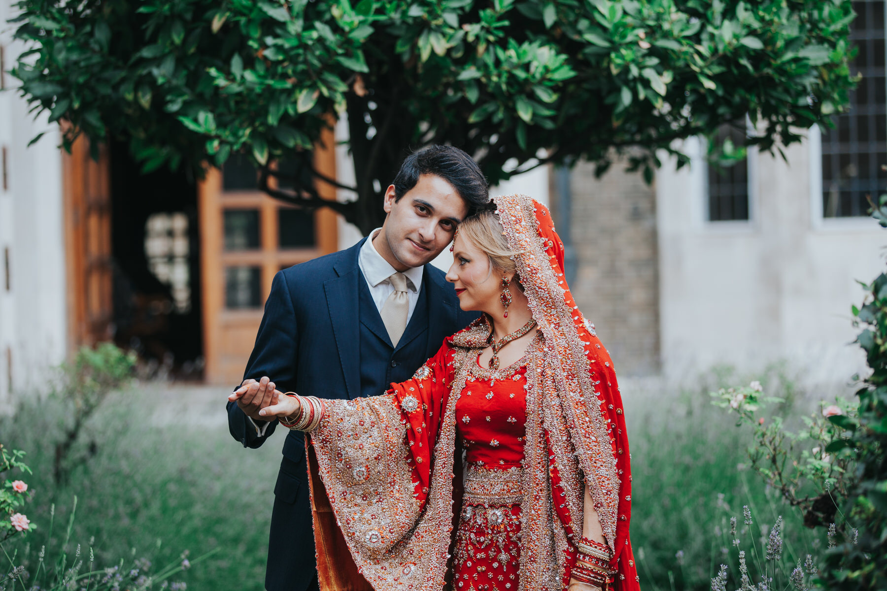 20-Anglo-Asian-London-Wedding-Middle-temple-bride-groom-gardens.jpg
