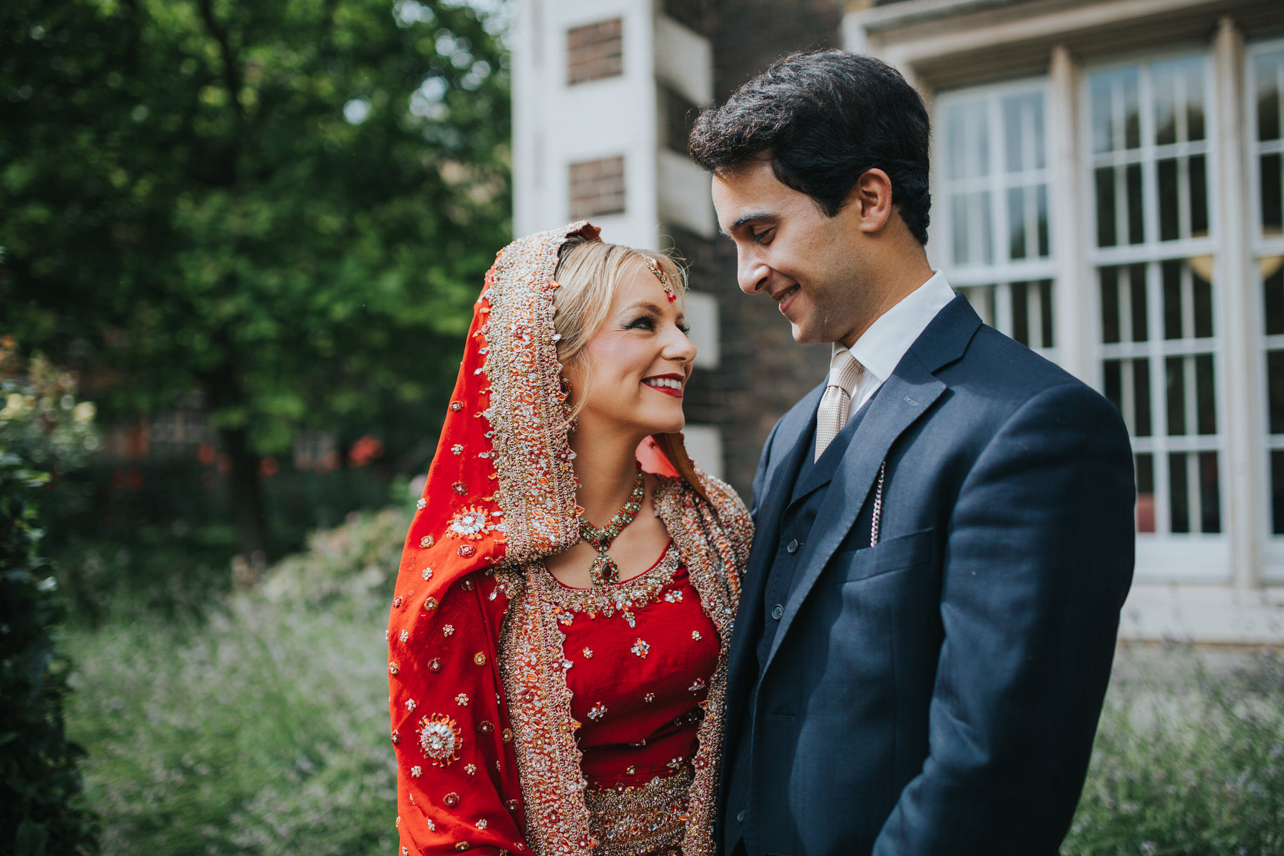 27-Anglo-Asian-London-Wedding-Middle-temple-couple-portraits.jpg