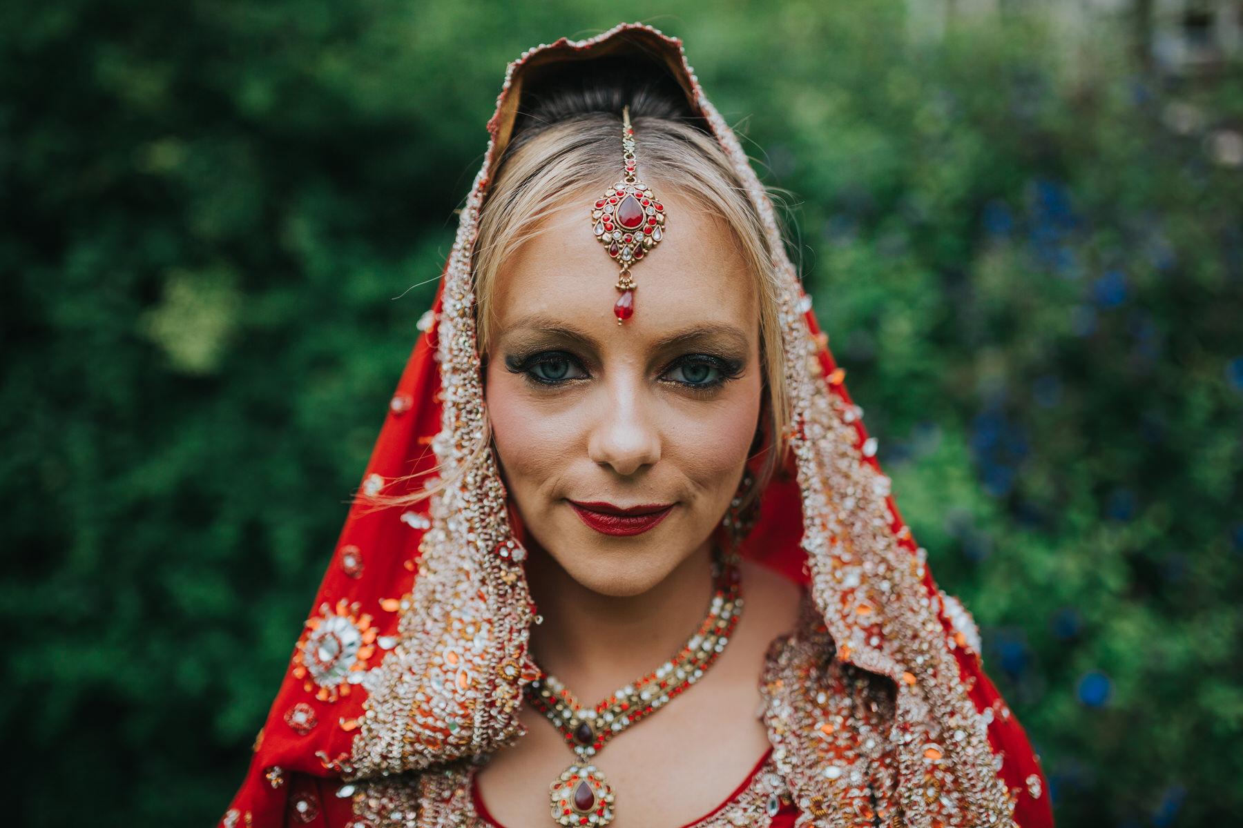 59-Anglo-Asian-London-Wedding-Middle-temple-bride-portrait.jpg