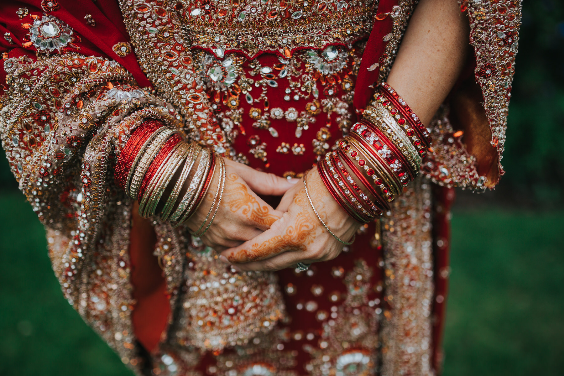 60-Anglo-Asian-London-Wedding-Middle-temple-bride-henna-hands.jpg