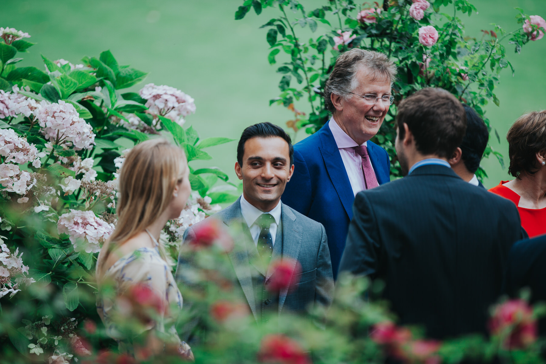 66-London-Wedding-Middle-temple-reportage-garden-guests.jpg
