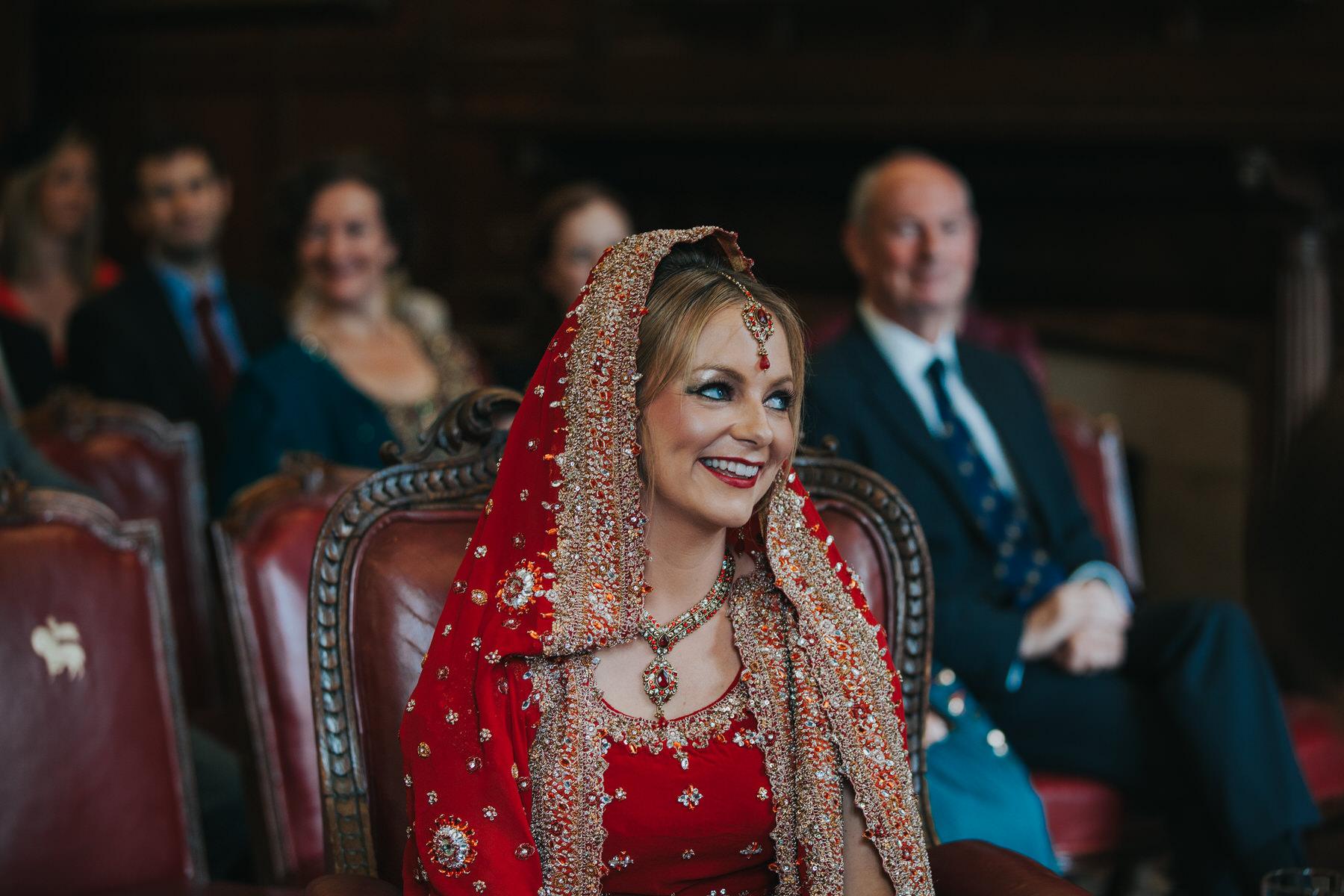 81-London-Wedding-Middle-temple-bride-red-sari.jpg