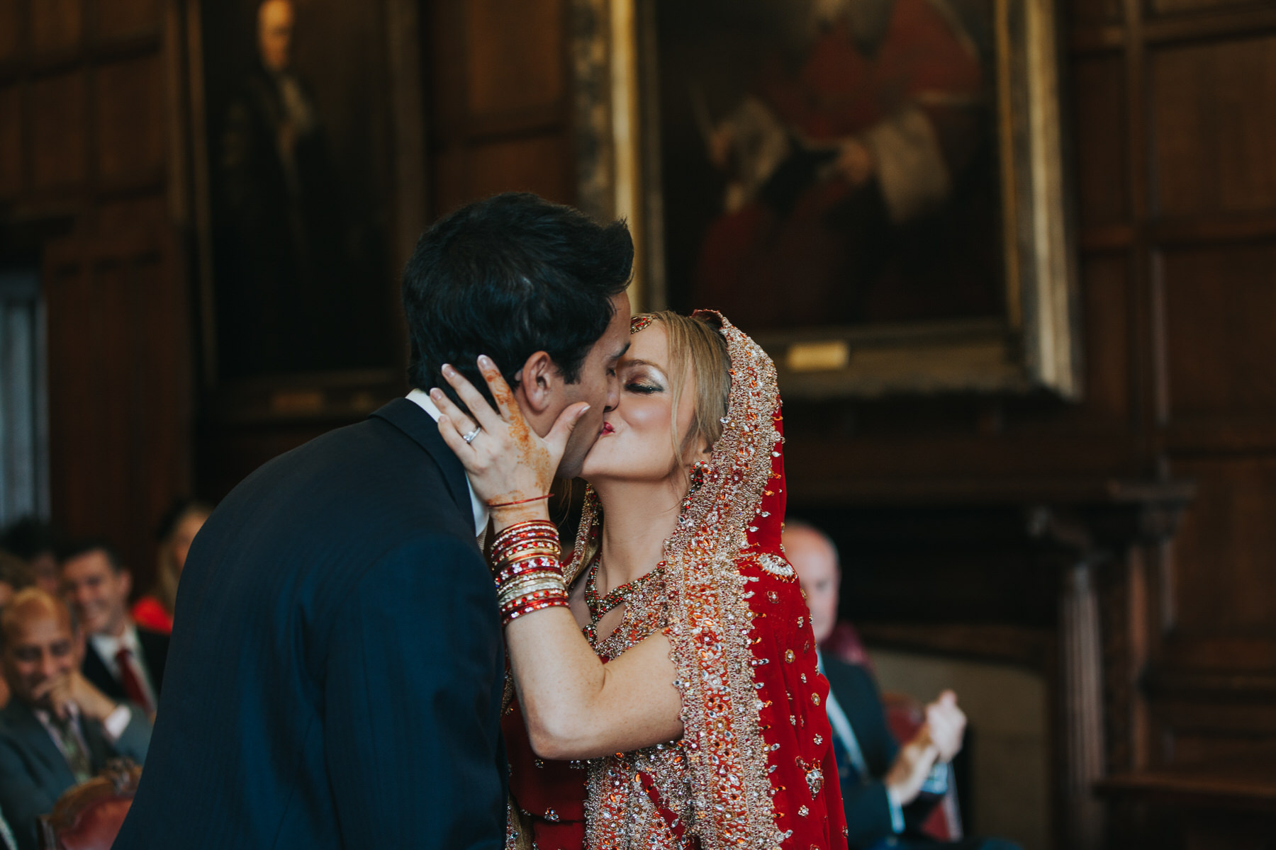 88-Anglo-Asian-London-Wedding-Middle-temple-first-kiss.jpg