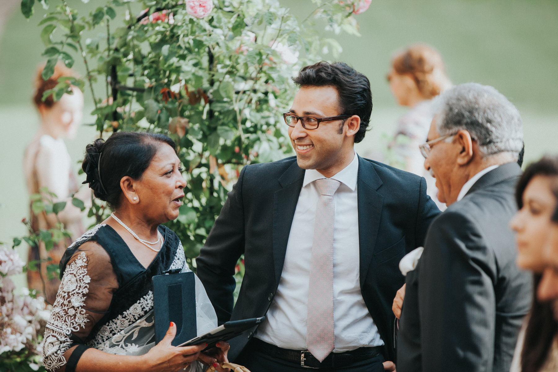 115-Anglo-Asian-London-Wedding-Middle-temple-guest-reportage.jpg