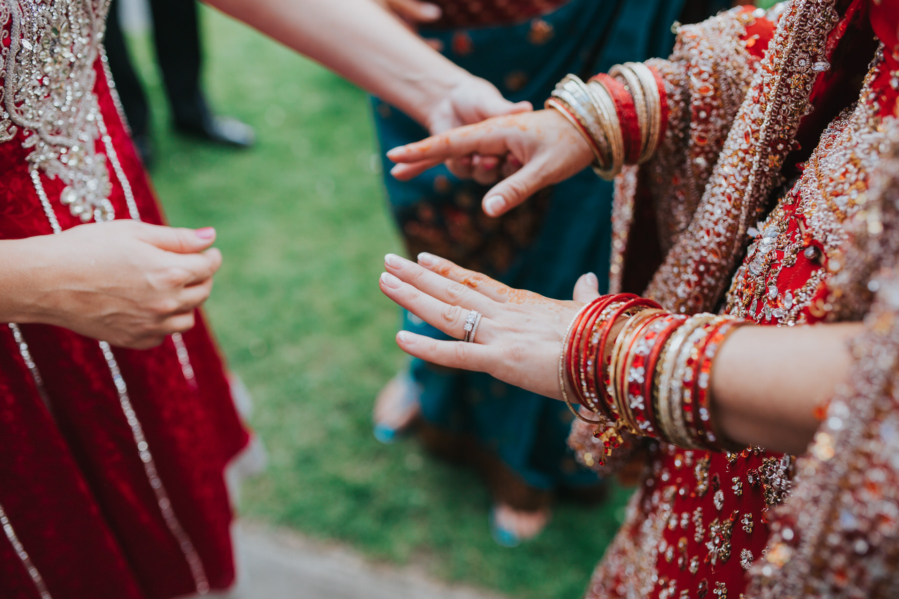 137-Anglo-Asian-bride-showing-henna-wedding-ring.jpg