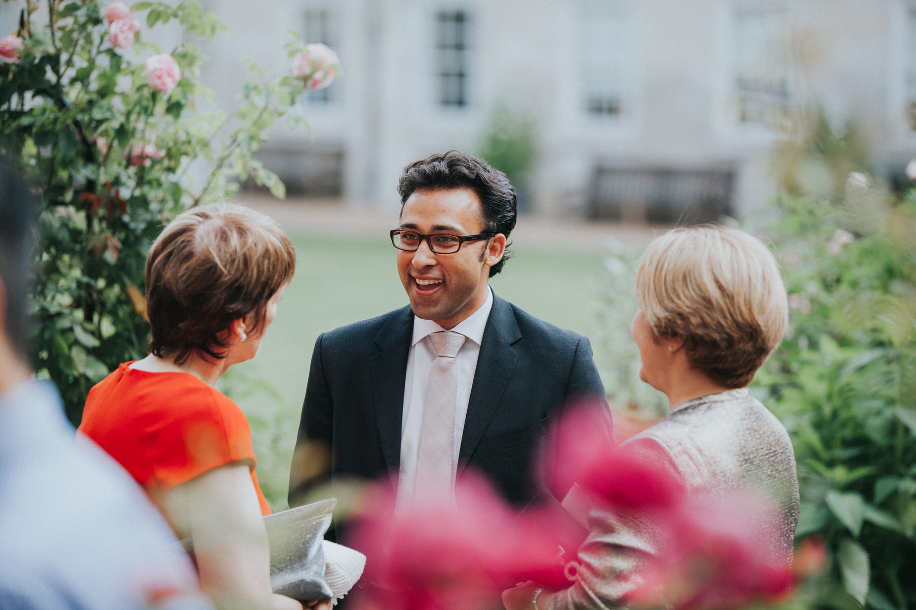 147-Anglo-Asian-London-Wedding-guest-reportage.jpg