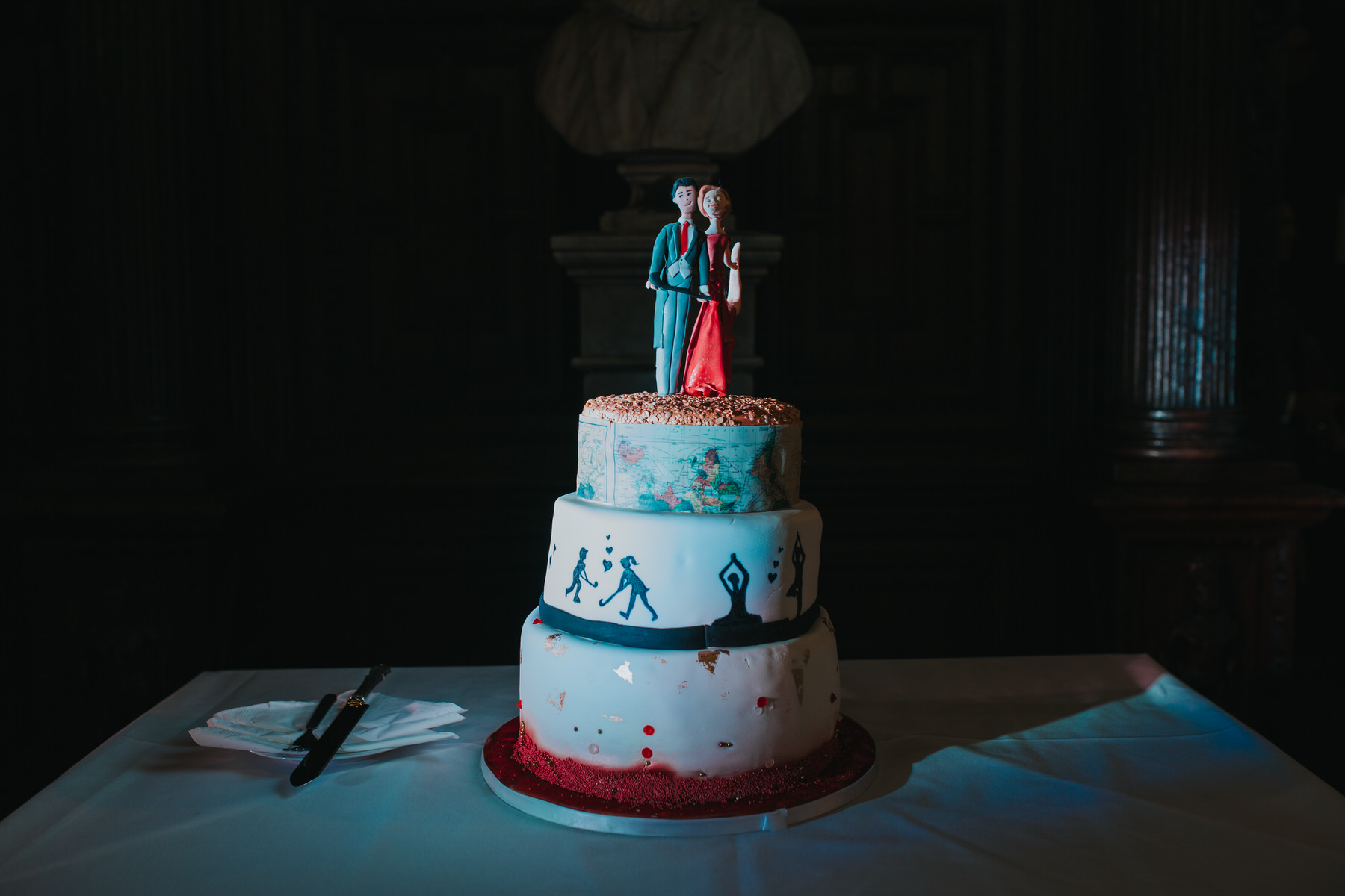 158-Anglo-Asian-London-unique-wedding-cake.jpg