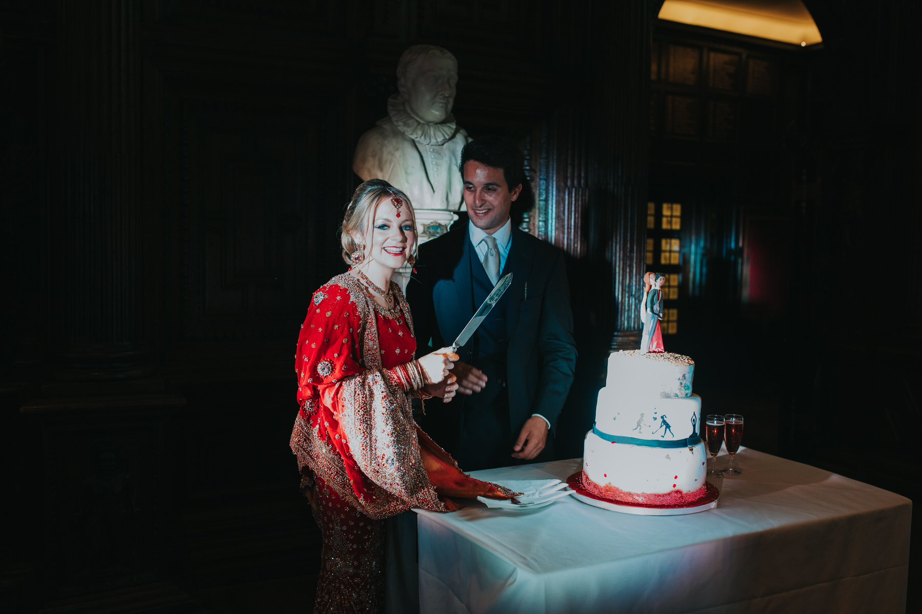 210-cutting-cake-Anglo-Asian-wedding.jpg
