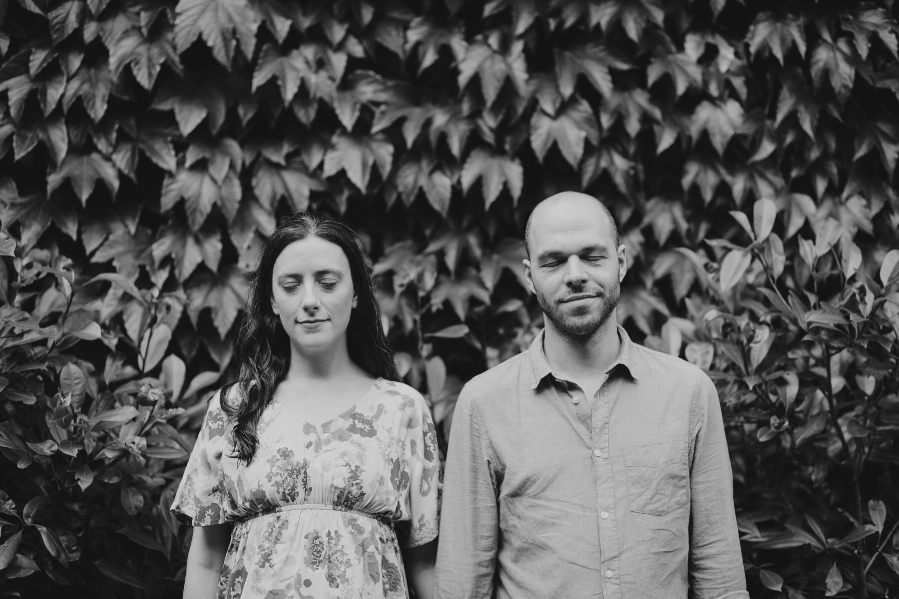 31-couple ivy wall background alternative portraits London Southbank.jpg