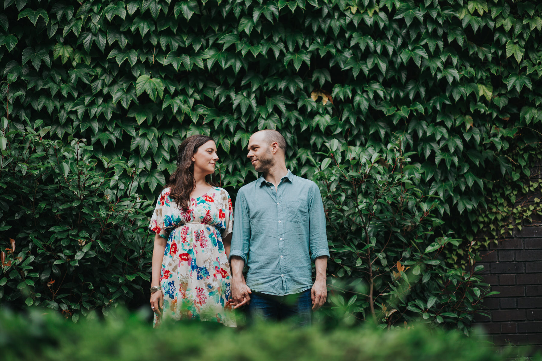 37-couple ivy wall background alternative portraits London Southbank.jpg