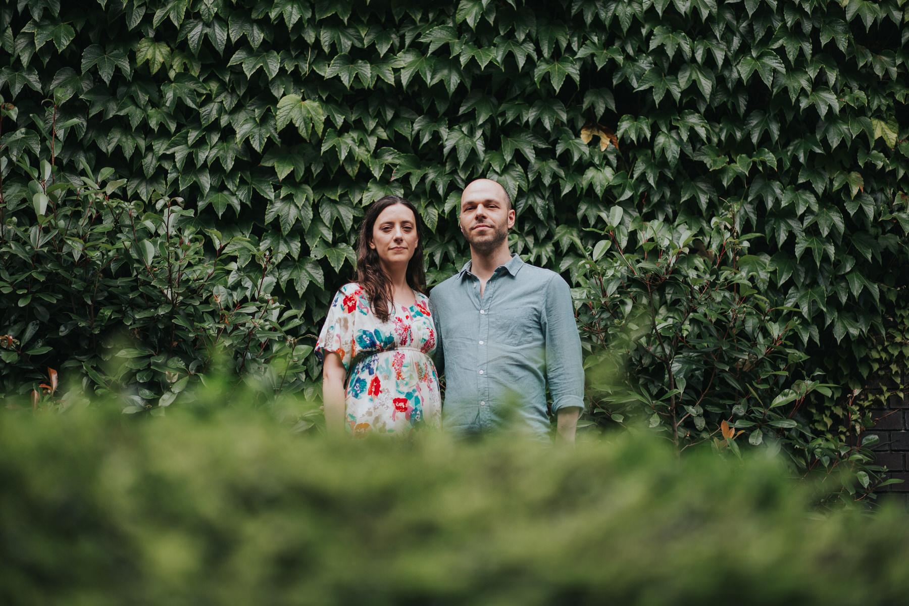 41-couple ivy wall background alternative portraits London Southbank.jpg