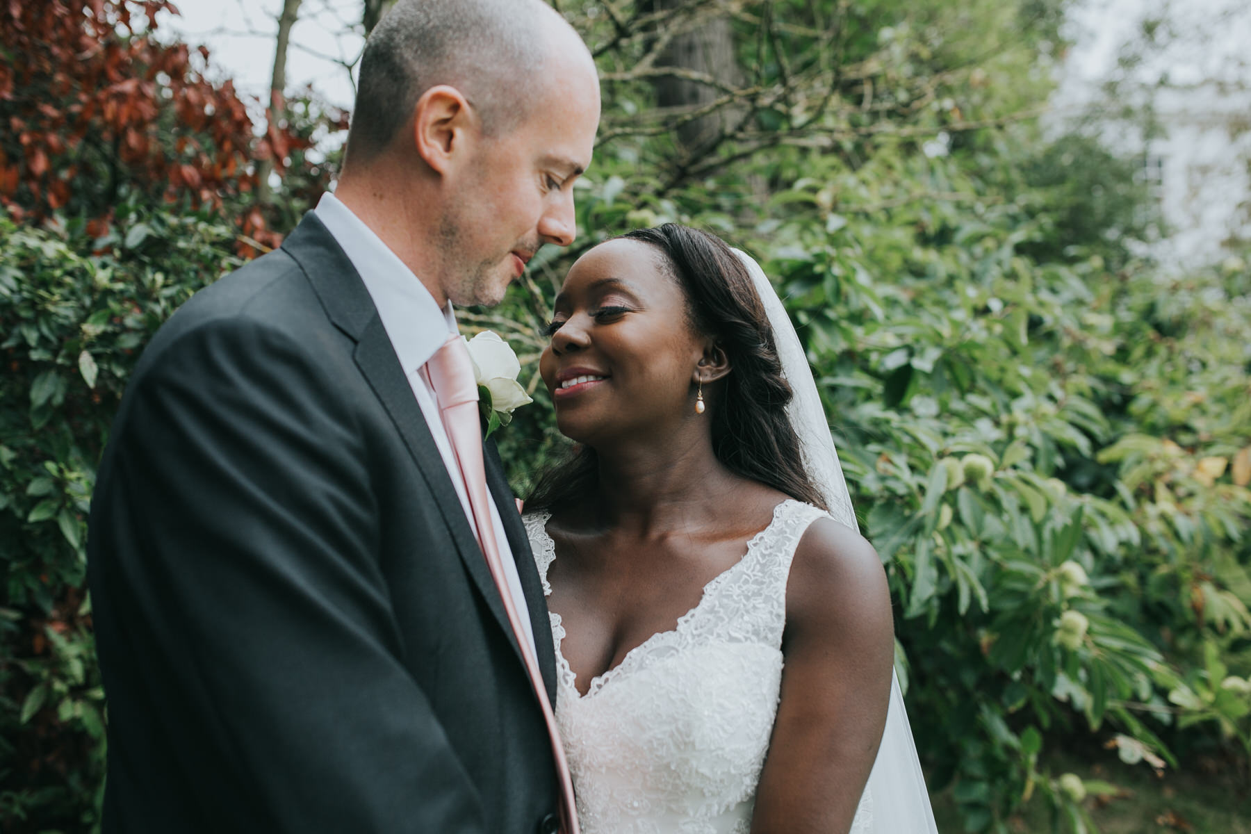 180 intimate groom bride wedding portraits Dulwich wedding.jpg