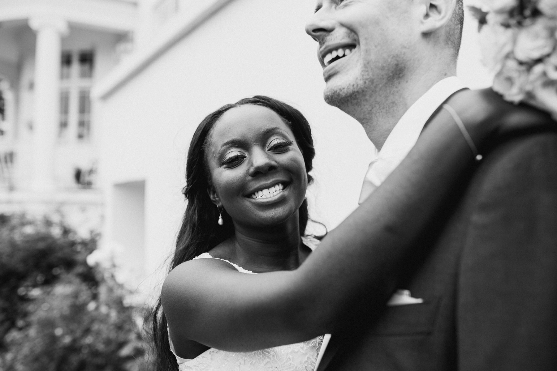 219 relaxed wedding photography London bnw.jpg