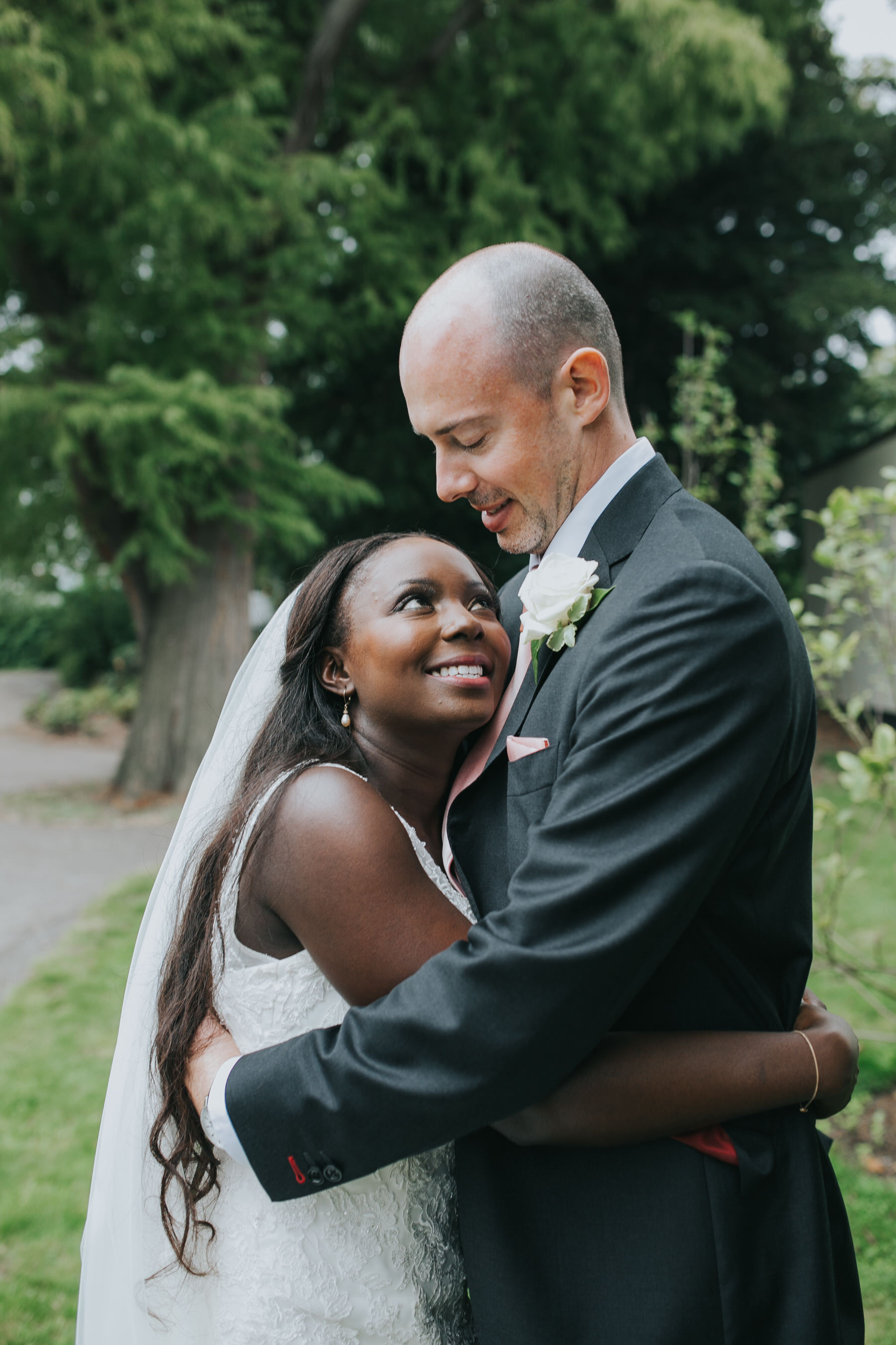 239 elegant reportage groom bride wedding portraits.jpg
