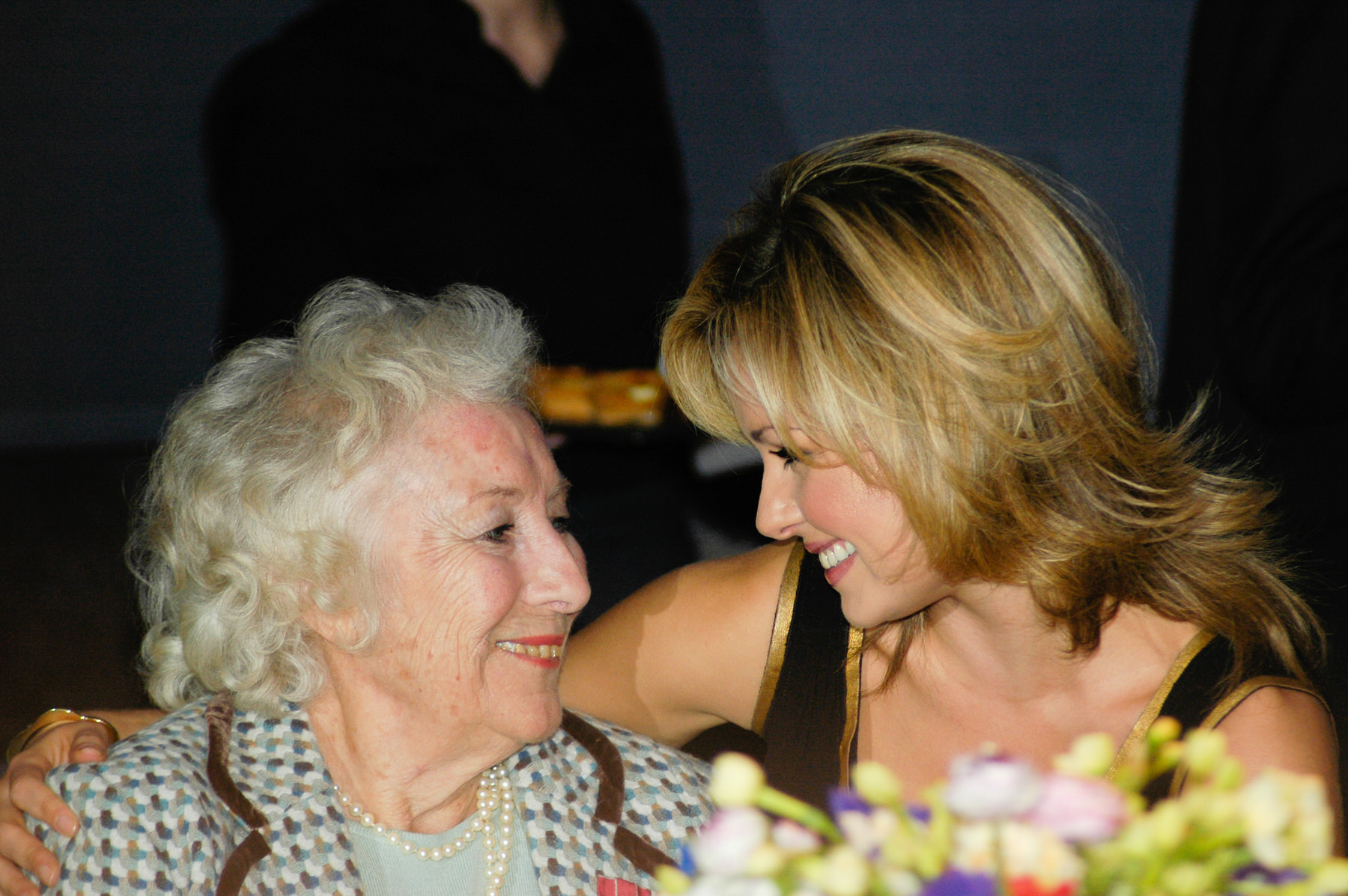 11-Dame Vera Lynn 90th birthday Imperial war Museum Katherine Jenkins.jpg