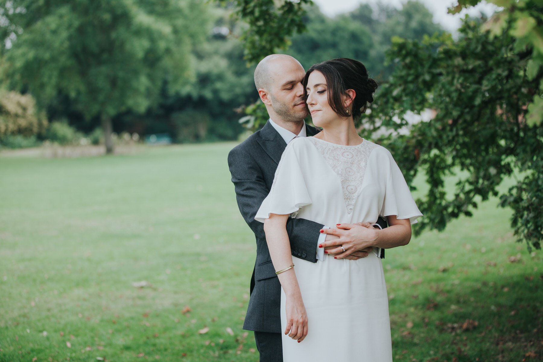 186 elegant bride groom reportage bridal portraits.jpg
