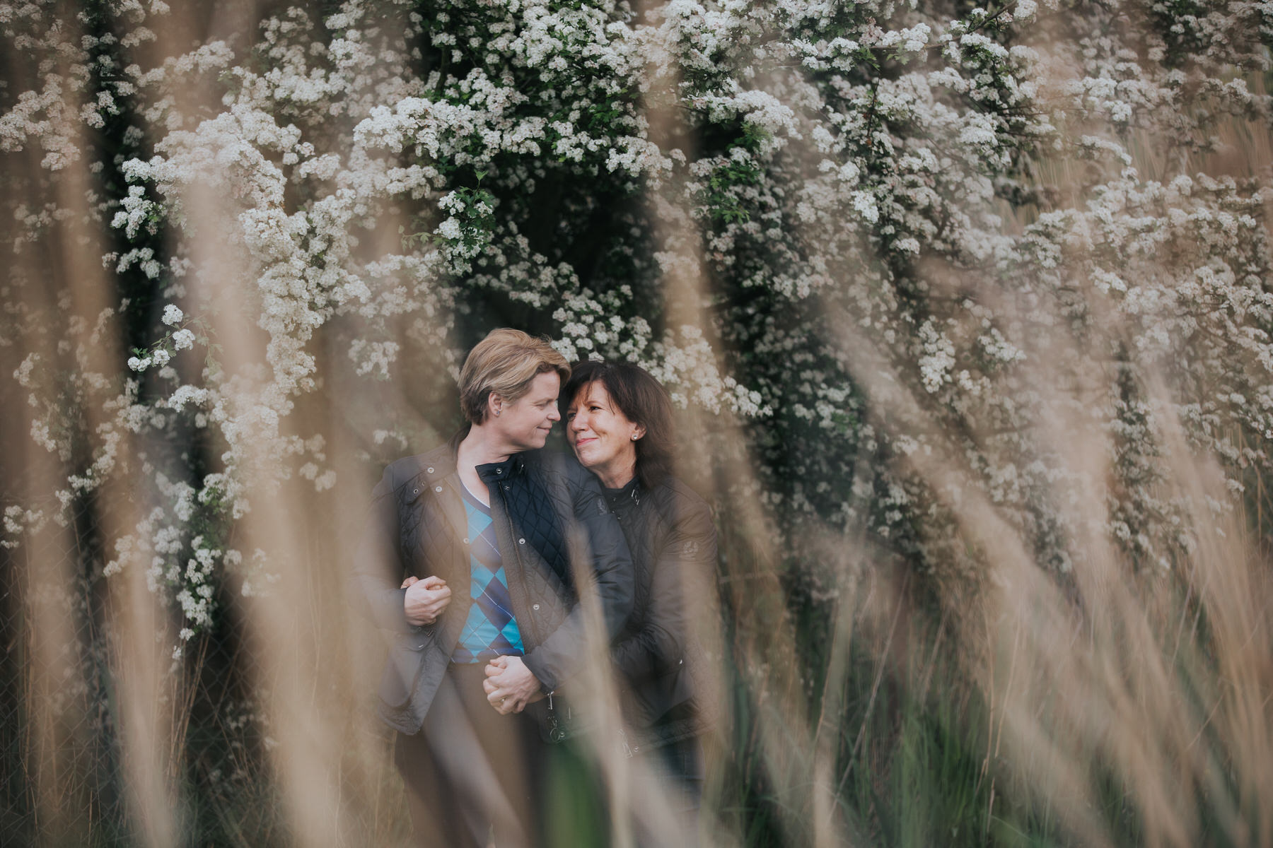 63 through grass unobtrusive engagement photos.jpg