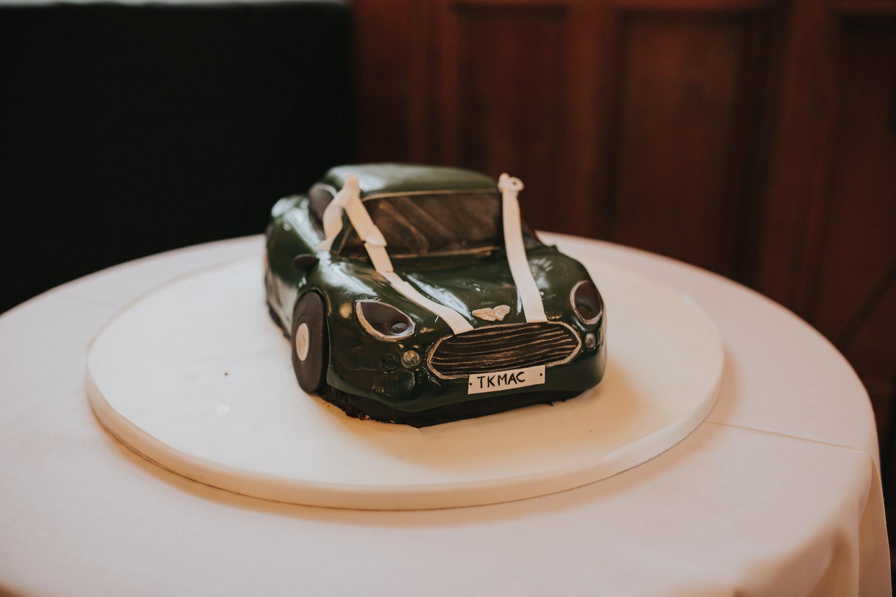 245 green car wedding cake unusual.jpg