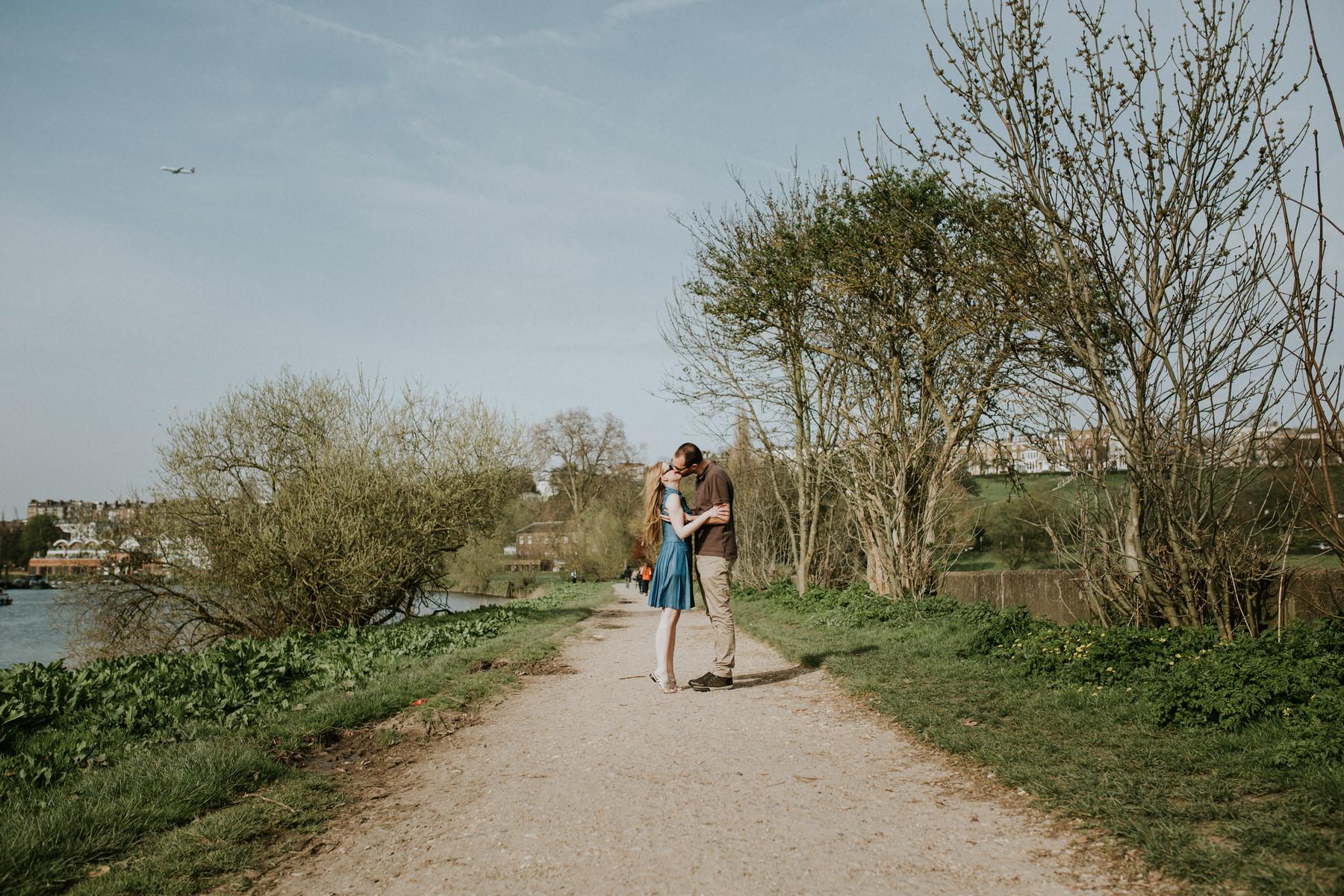 3-romantic unposed engagement shoot Thames path Richmond.jpg