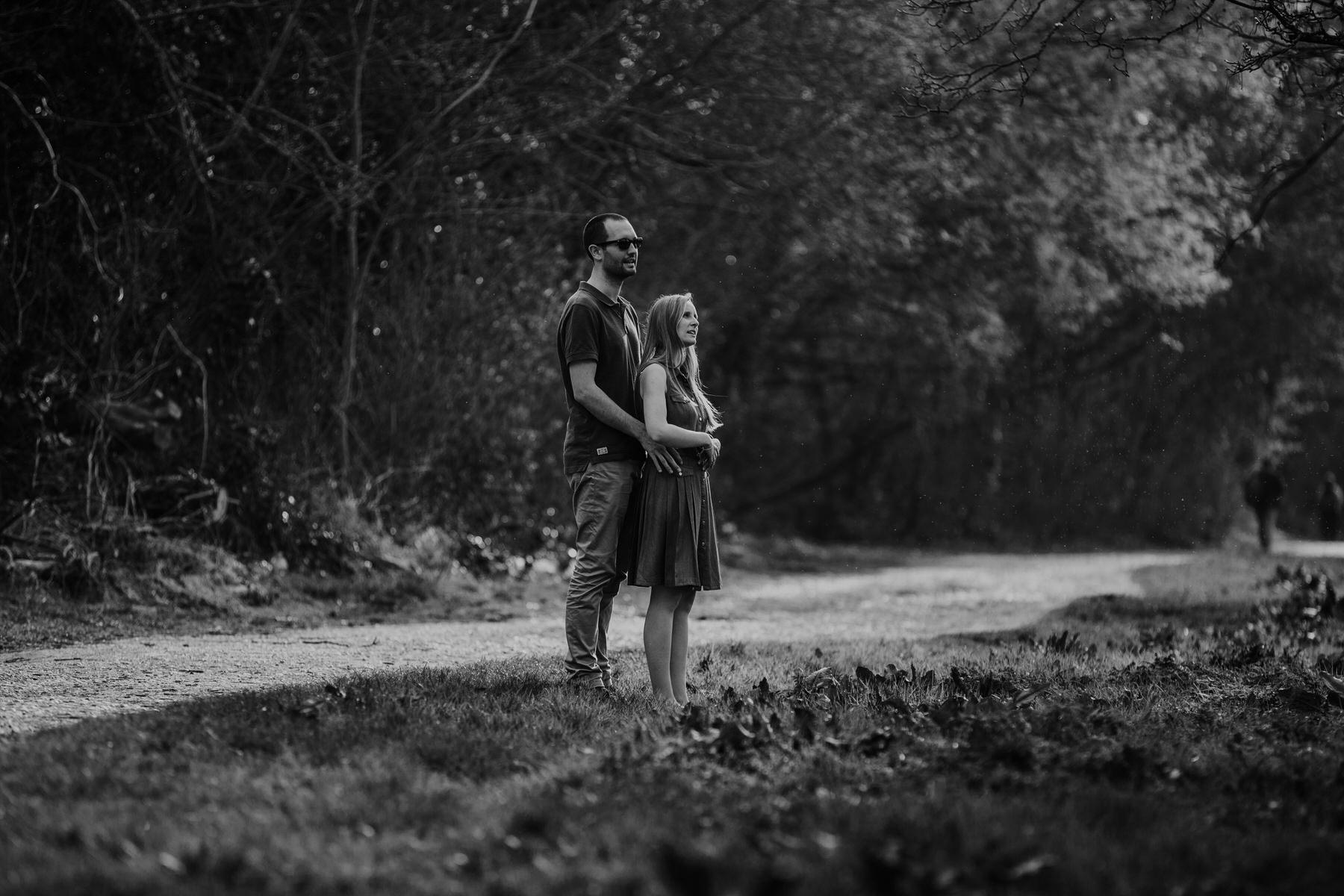 41-BW Richmond riverside couple engagement photo.jpg